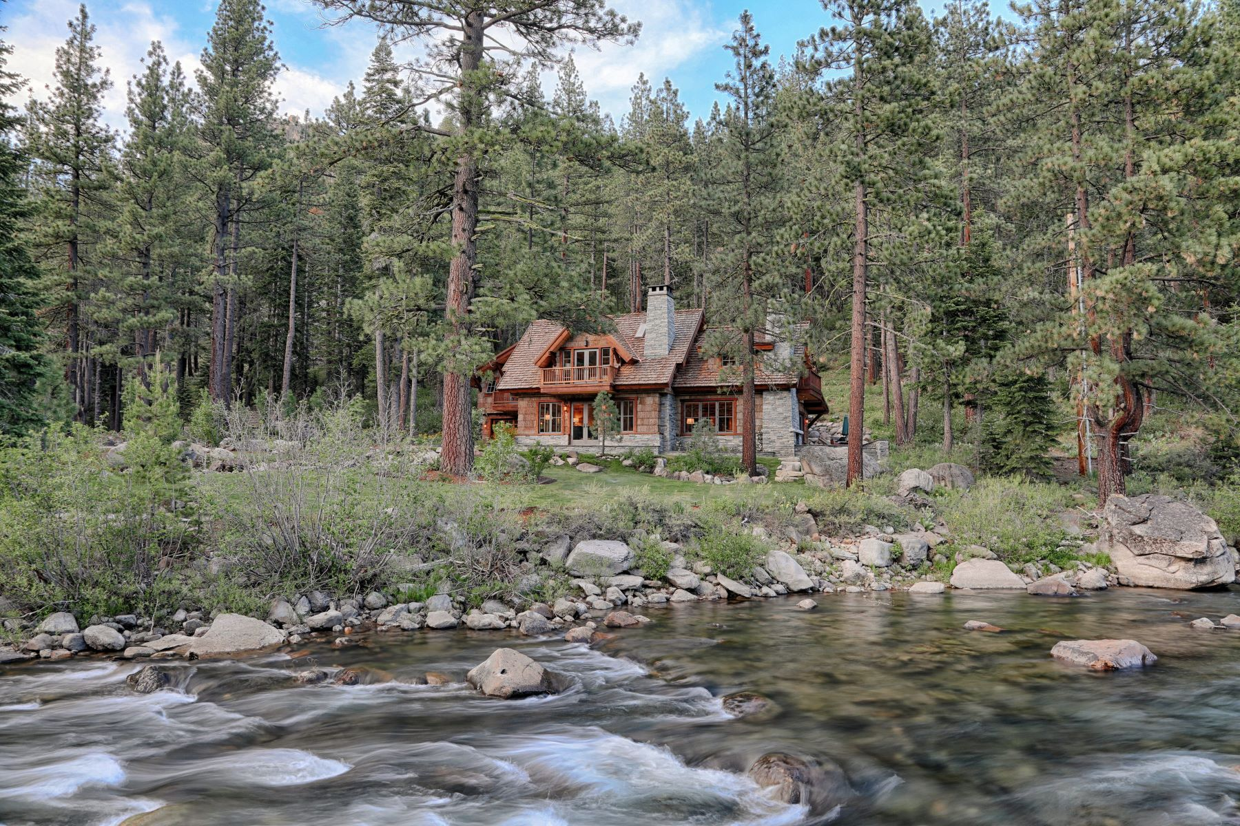 Additional photo for property listing at Timeless Bruce Olson Construction riverfront estate. 7260 River Road Truckee, California 96161 United States