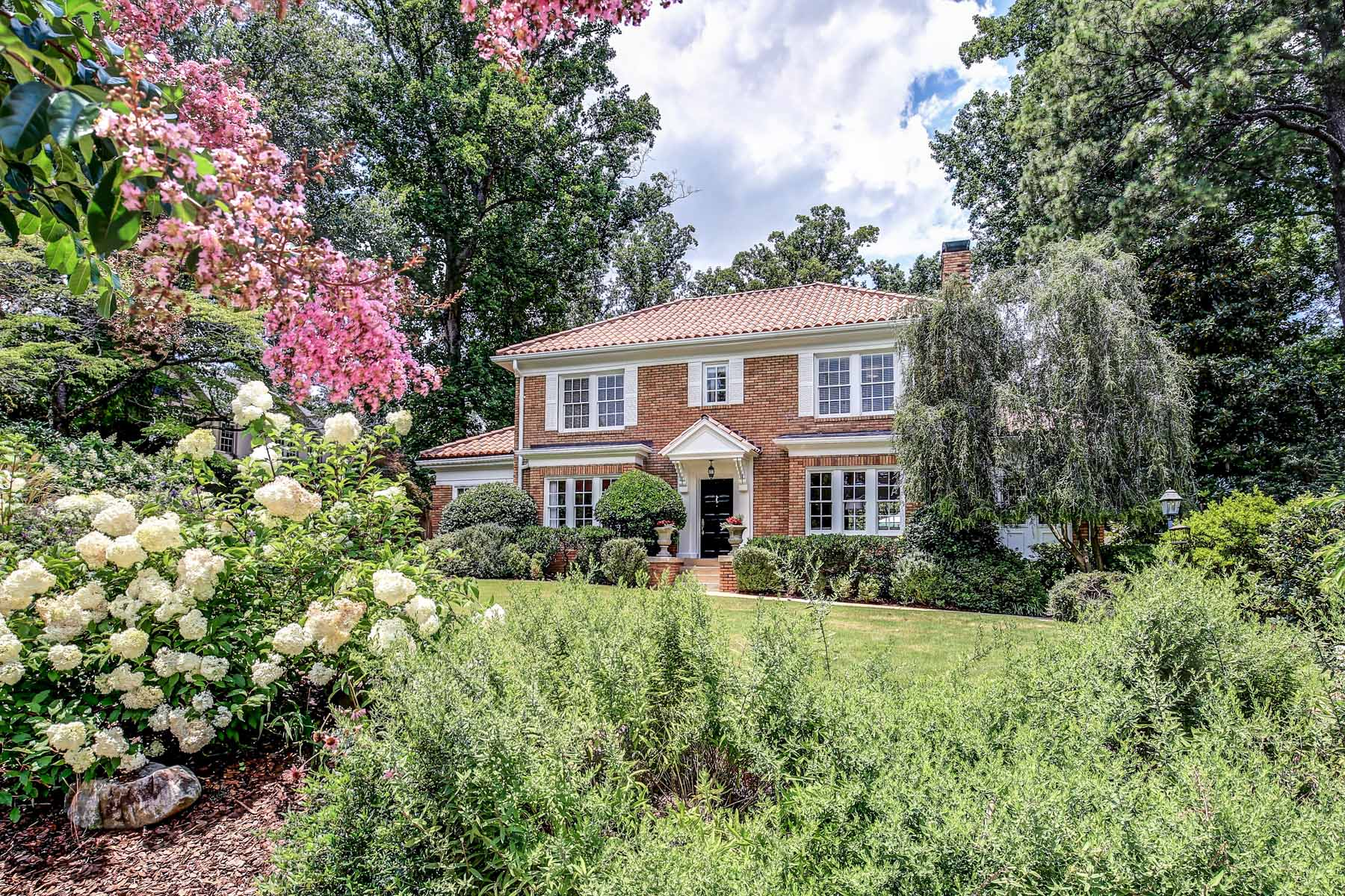 단독 가정 주택 용 매매 에 Historic Druid Hills Renovated 1920 Two-Story Brick Home 1108 Oxford Road NE Druid Hills, Atlanta, 조지아, 30306 미국
