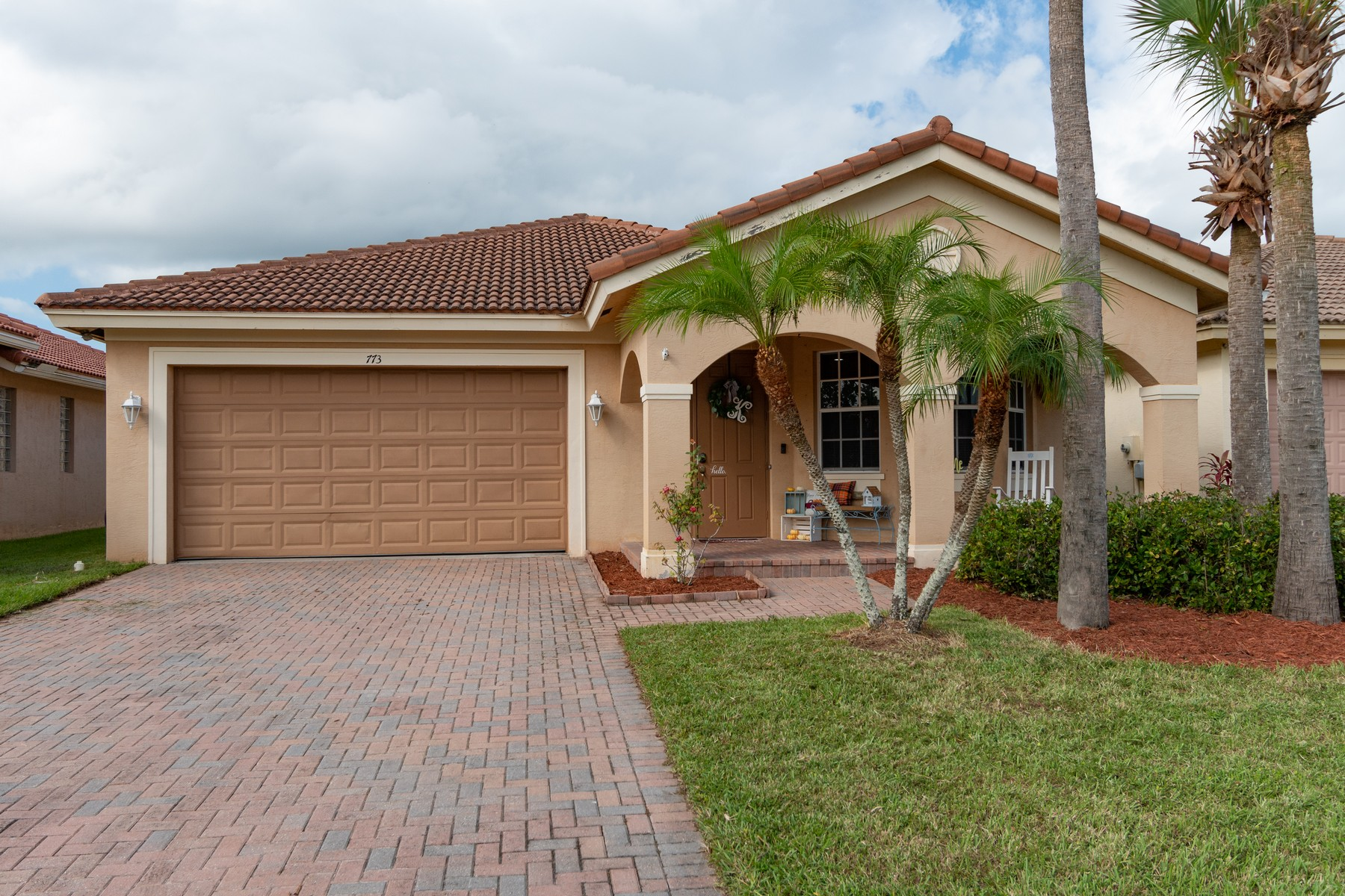 Additional photo for property listing at Beautiful Four Bedroom Home in Desirable Neighborhood 773 Bent Creek Drive Fort Pierce, Florida 34947 United States