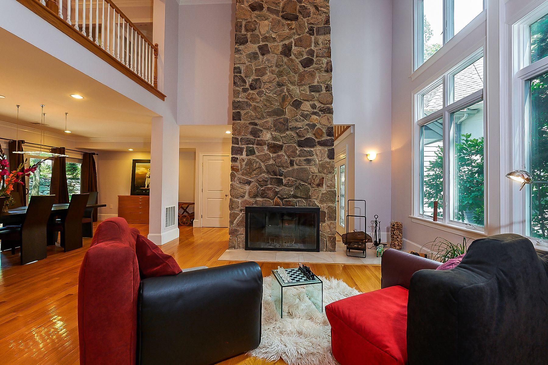 Частный односемейный дом для того Продажа на 24 Puddingstone Lane, Newton 24 Puddingstone Ln Newton, Массачусетс, 02459 Соединенные Штаты