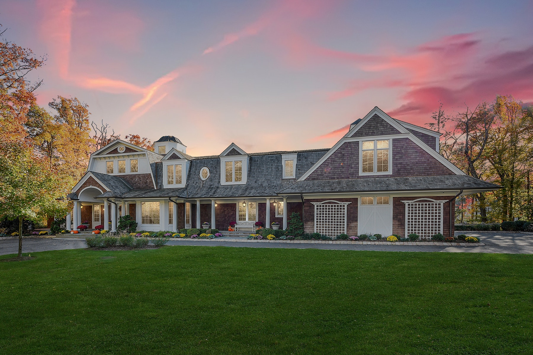 Single Family Homes のために 売買 アット Hampton Style Estate on 3.2 Acres 308 Crescent Drive, Franklin Lakes, ニュージャージー 07417 アメリカ