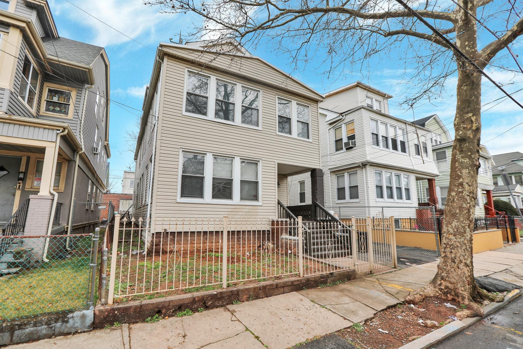 Multi-Family Homes por un Venta en Investment Opportunity 23-25 Schuyler Ave Newark, Nueva Jersey 07112 Estados Unidos