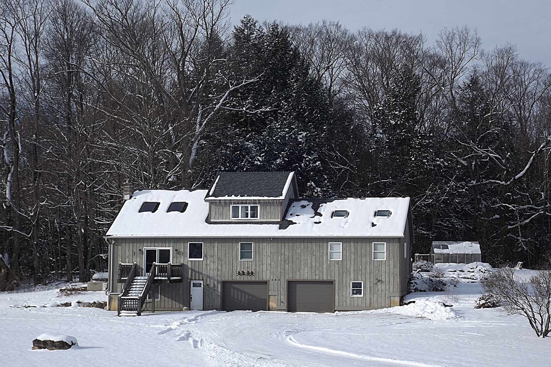 Single Family Homes for Sale at Rutland Town Contemporary 103 Chasanna Drive Rutland Town, Vermont 05701 United States