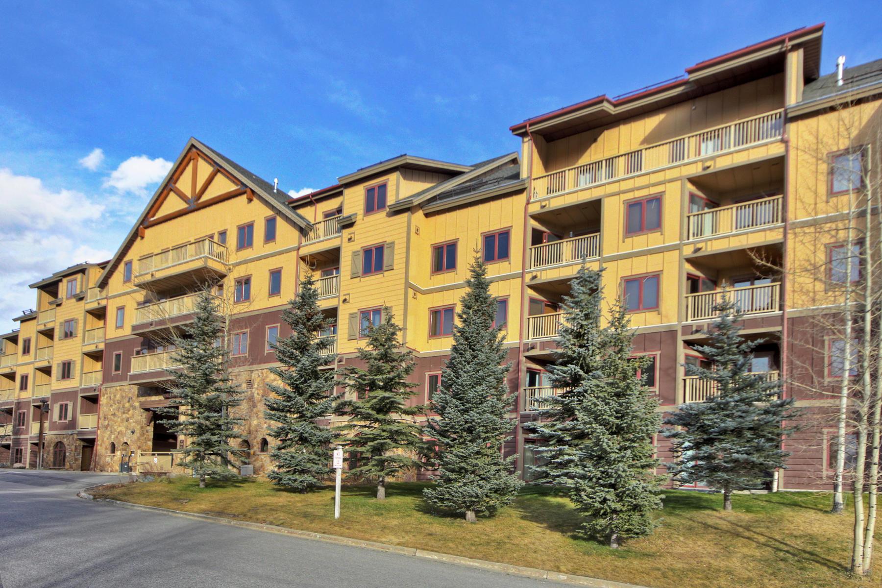Condominium for Active at Red Hawk Lodge 20 Hunki Dori Court Unit 2298 Keystone, Colorado 80435 United States