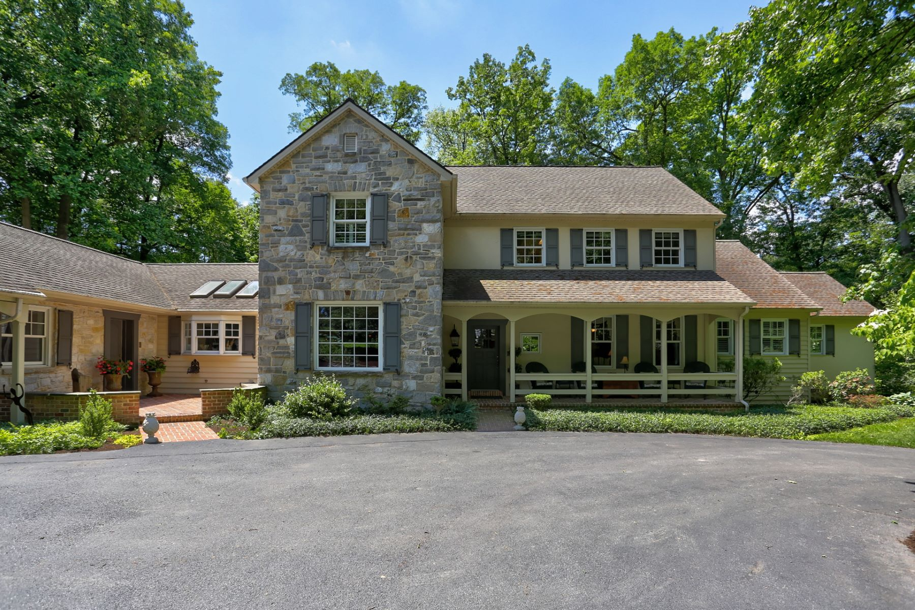 Single Family Home for Sale at 23 Warwick Road Lititz, Pennsylvania 17543 United States