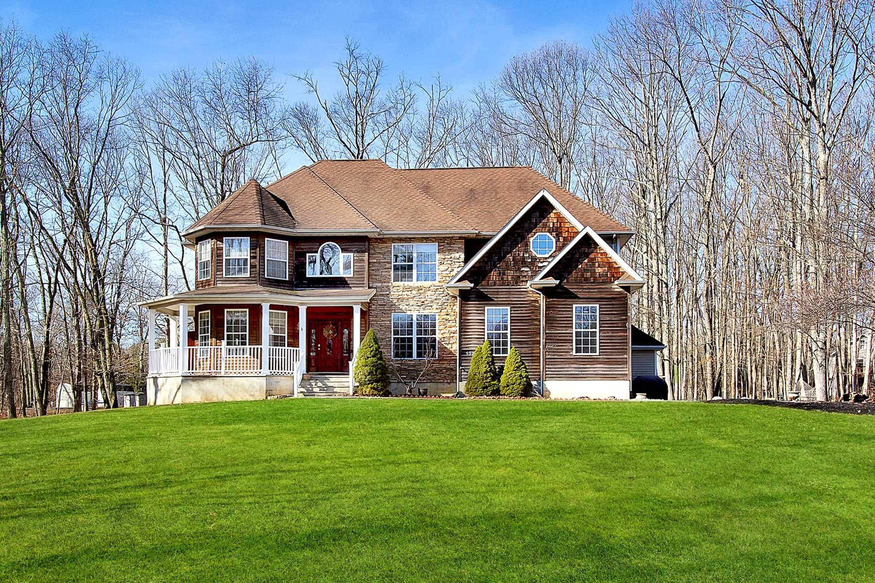 Single Family Homes للـ Sale في Custom Built Colonial 133 Old Turkey Swamp Road, Freehold, New Jersey 07728 United States