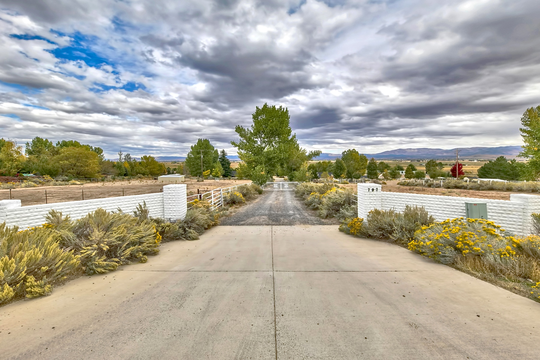 Additional photo for property listing at 462 Alex Court, Gardnerville, Nevada 462 Alex Court Gardnerville, Nevada 89410 United States