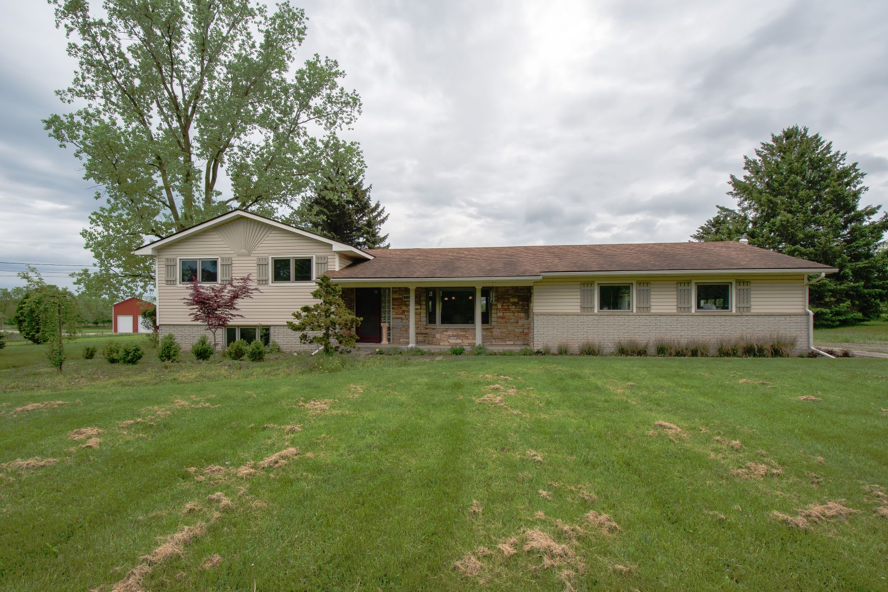 Single Family Homes for Active at Rose Township 8950 Hickory Ridge Road Holly, Michigan 48442 United States