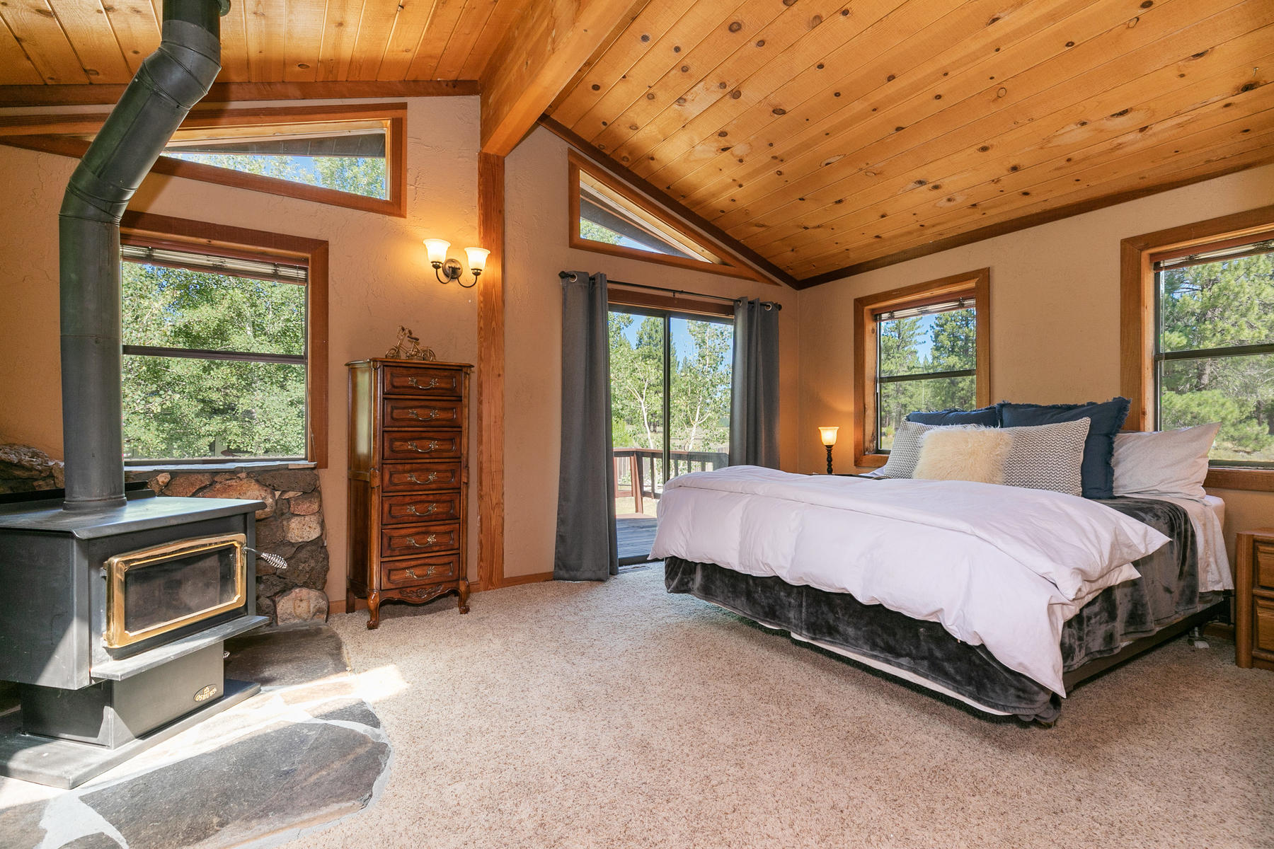 Additional photo for property listing at 14982 Glenshire Drive, Truckee, CA 14982 Glenshire Drive 特拉基, 加利福尼亚州 96161 美国
