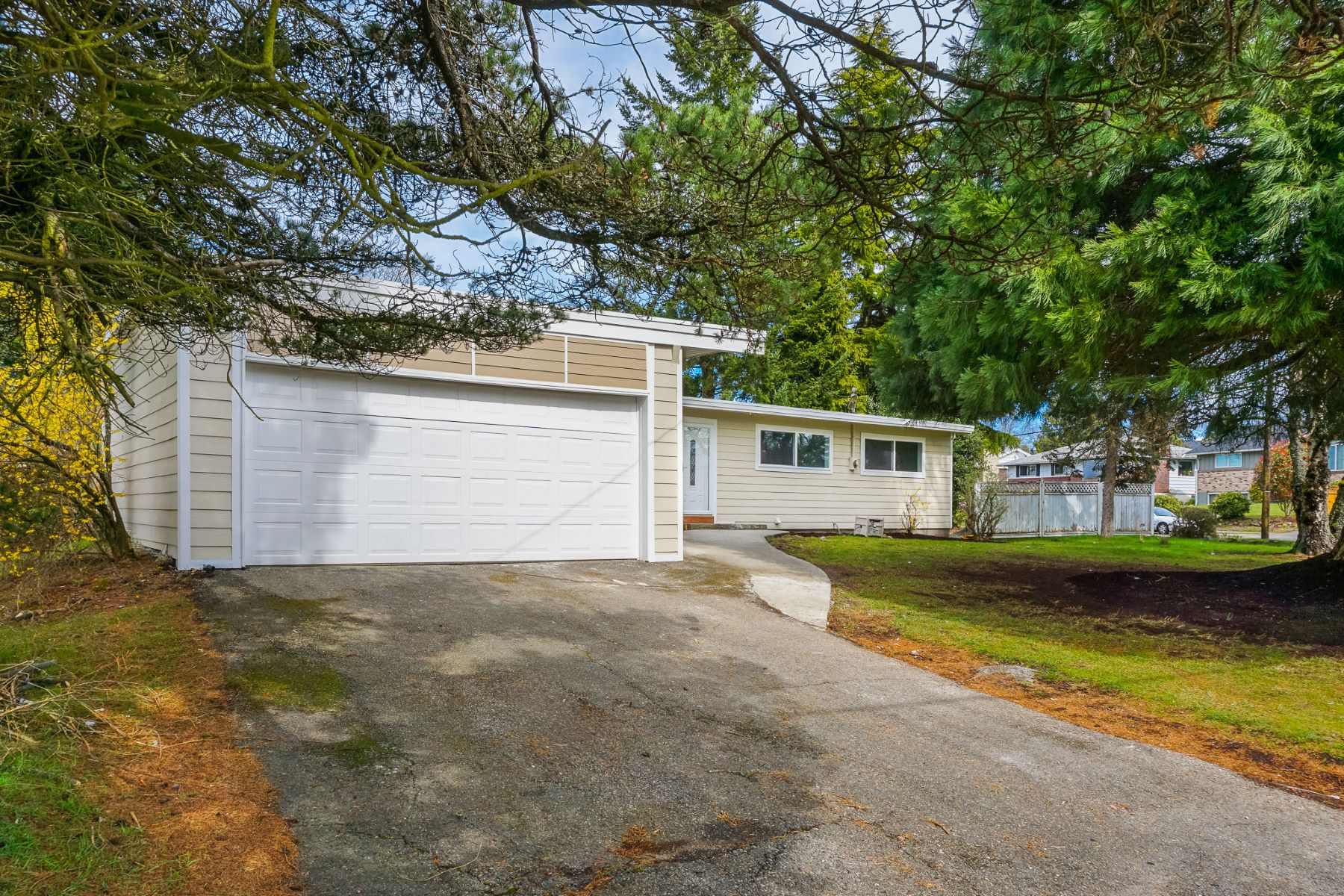 Single Family Home for Active at Savvy NW Living 6701 N 17th St Tacoma, Washington 98406 United States