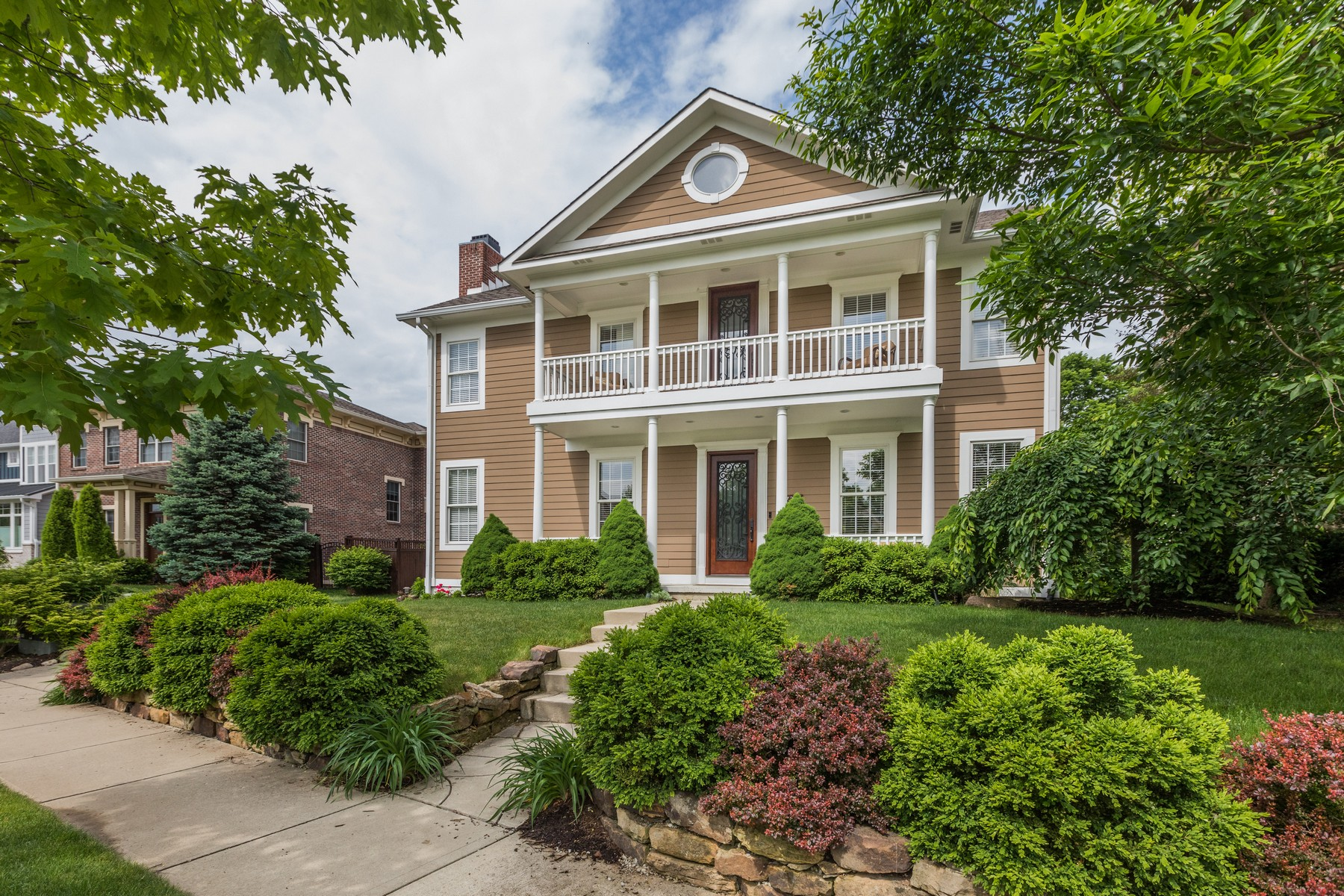 Single Family Homes por un Venta en Tuscan Inspired 6730 West Stonegate Drive, Zionsville, Indiana 46077 Estados Unidos