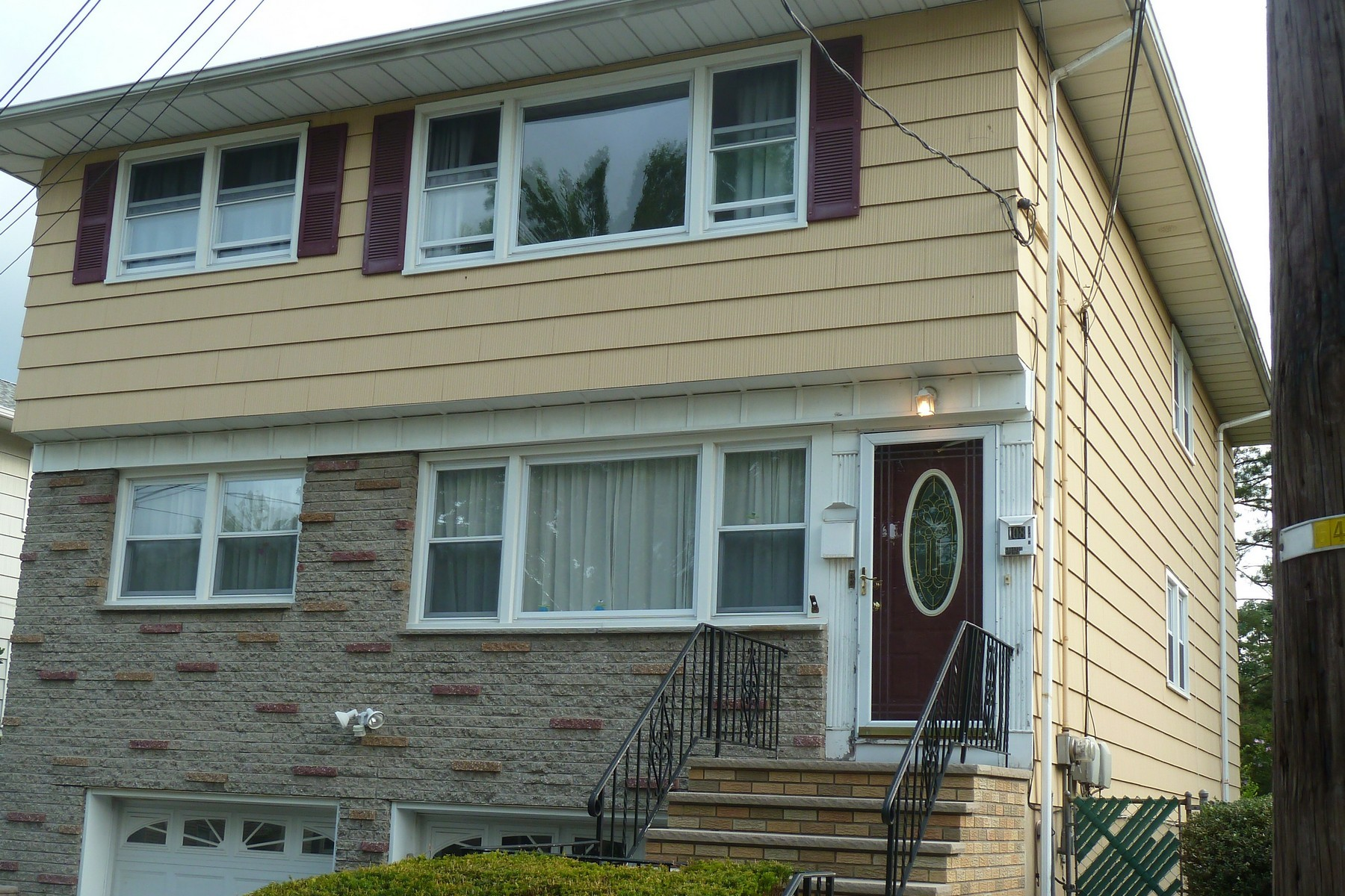 Multi-Family Home for Rent at Sunny Three Bedroom 108 Lakewood Terrace, Unit 2, Bloomfield, New Jersey 07003 United States