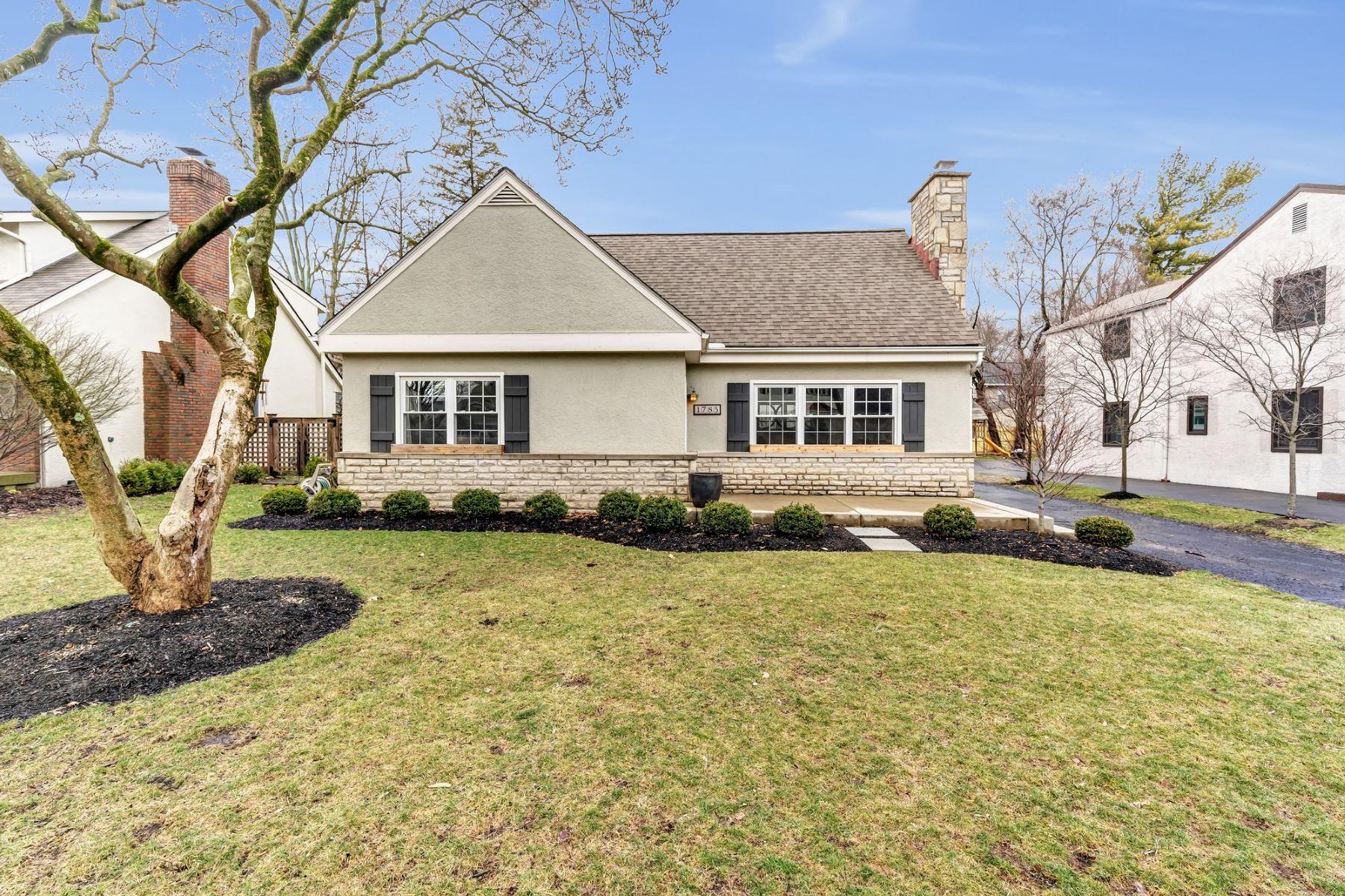 Single Family Homes por un Venta en 1795 Wyandotte Road 1785 Wyandotte Road Upper Arlington, Ohio 43212 Estados Unidos