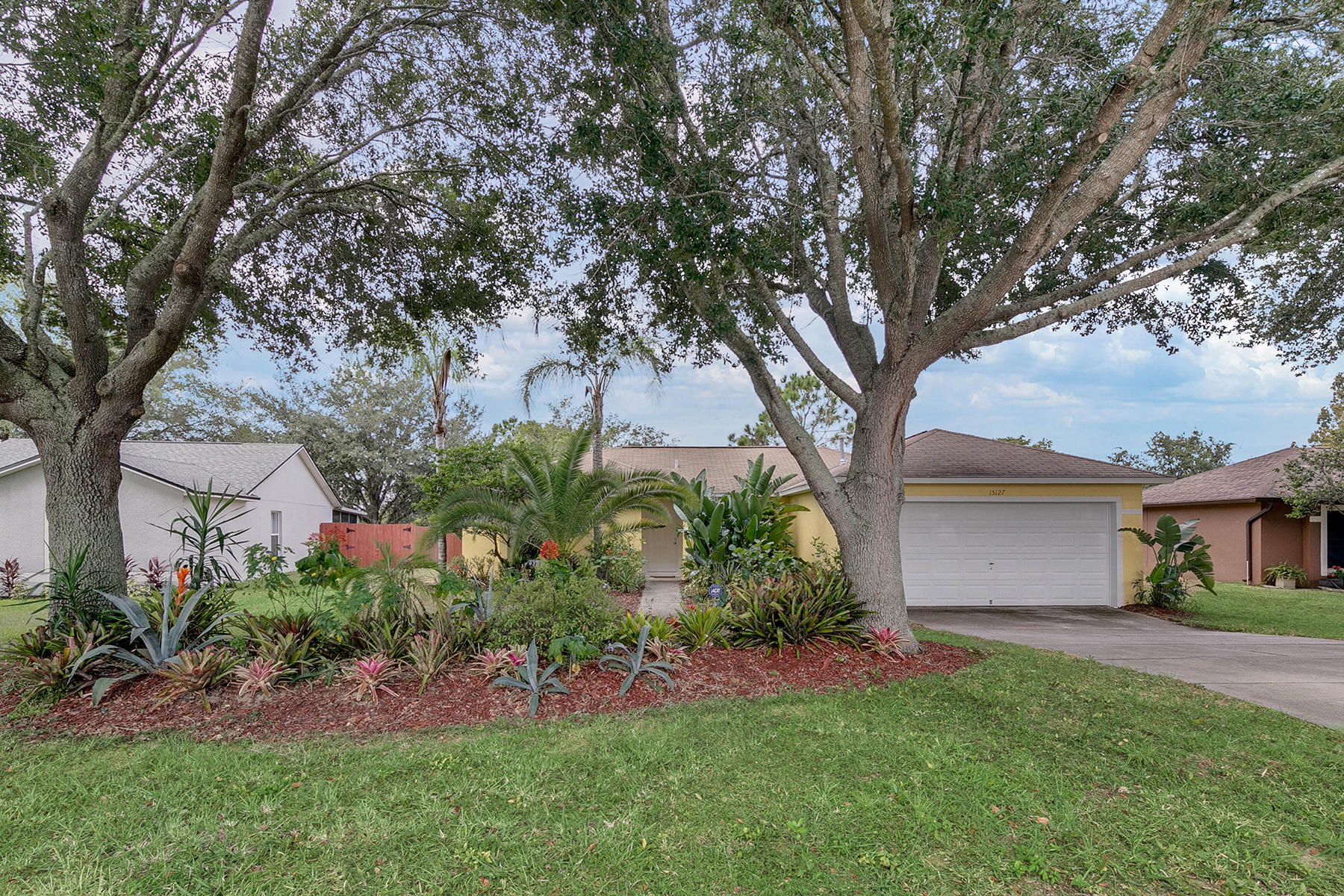 Single Family Homes for Active at CLERMONT-ORLANDO 15127 Margaux Dr Clermont, Florida 34714 United States