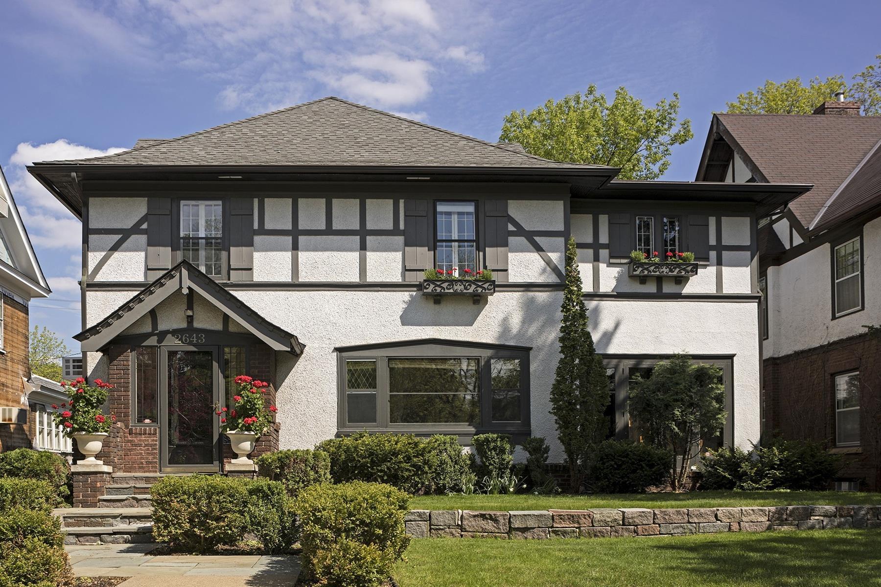 独户住宅 为 销售 在 2643 Irving Avenue S East Isles, 明尼阿波利斯市, 明尼苏达州, 55408 美国