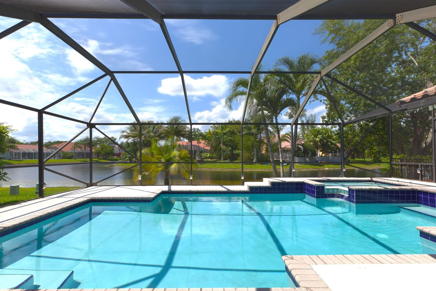 Vivienda unifamiliar por un Venta en 813 Hampton CT Weston, Florida, 33326 Estados Unidos