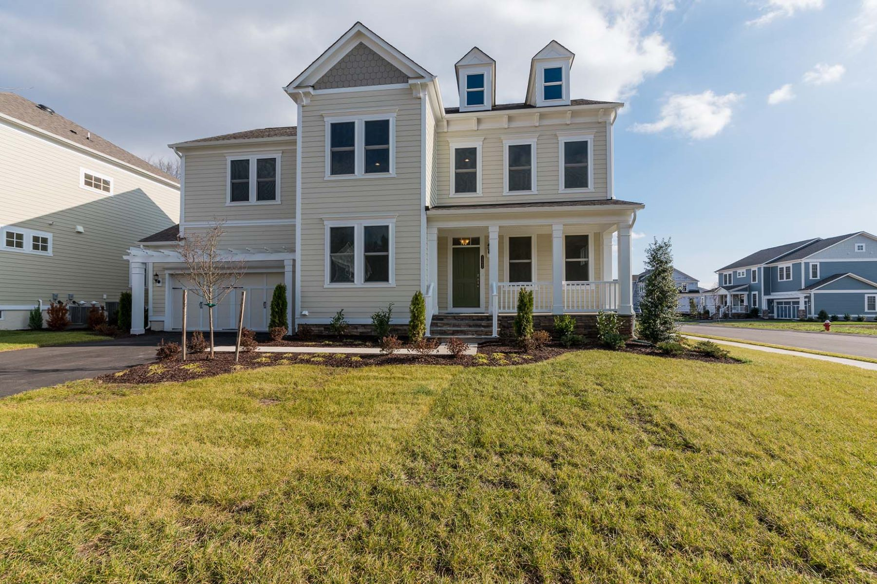Single Family Home for Sale at Black Willow 24642 Black Willow Drive, Aldie, Virginia, 20105 United States