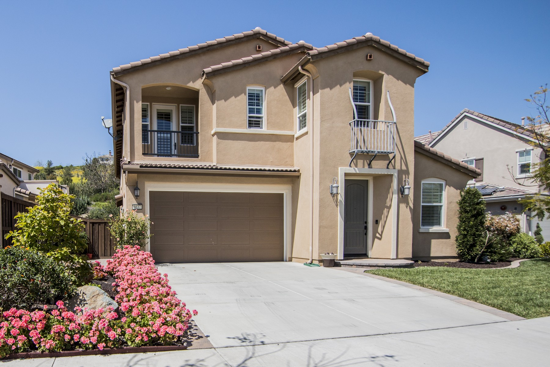 Single Family Home for Sale at 6637 Brookite Court Carlsbad, California 92009 United States