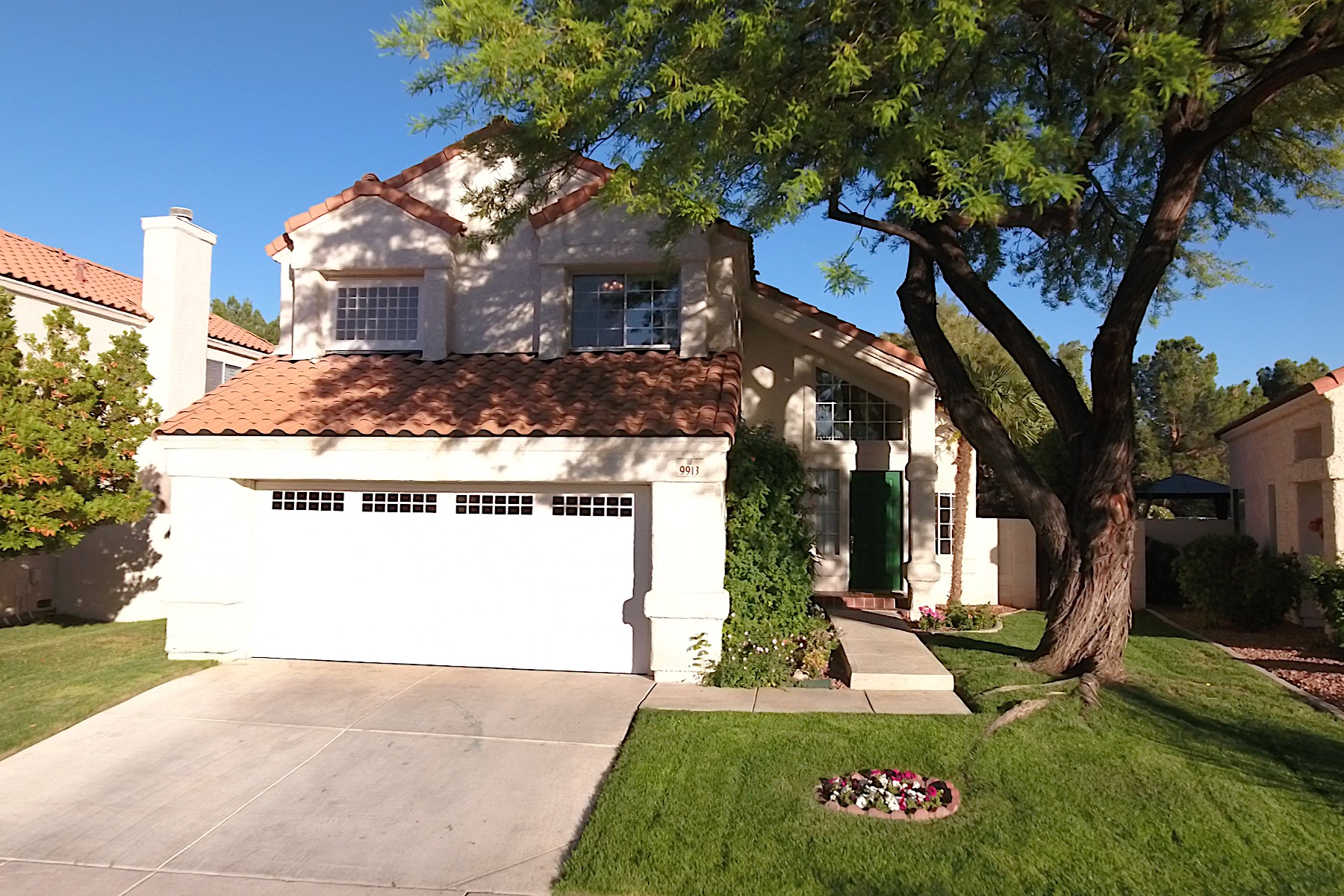 Single Family Home for Sale at Beautiful Model Home with Duck Pond Views in The Lakes 9913 Biscayne Lane Las Vegas, Nevada, 89117 United States