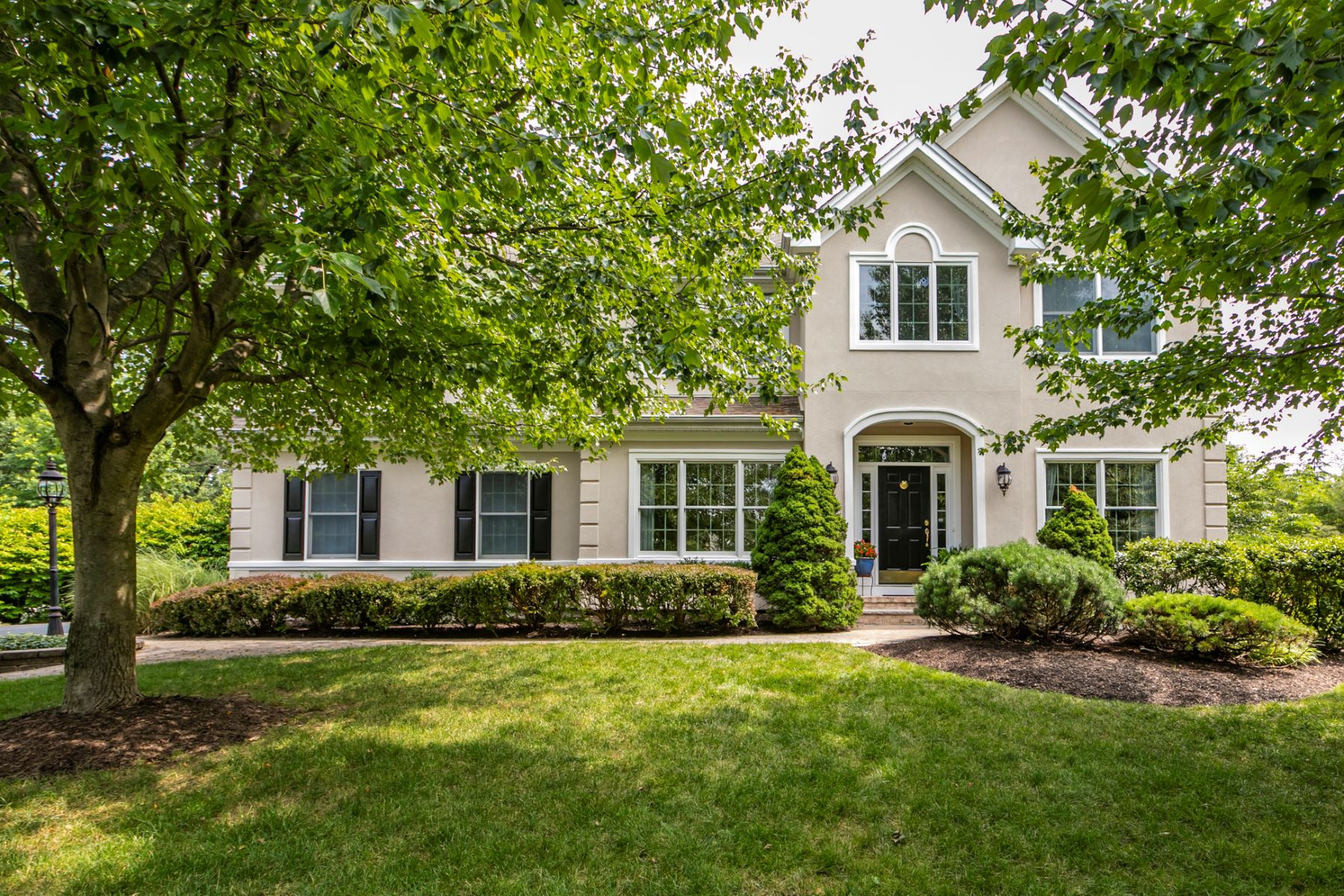 Single Family Homes للـ Sale في A Hole In One In Cherry Valley 7 Wild Dunes Court, Skillman, New Jersey 08558 United States