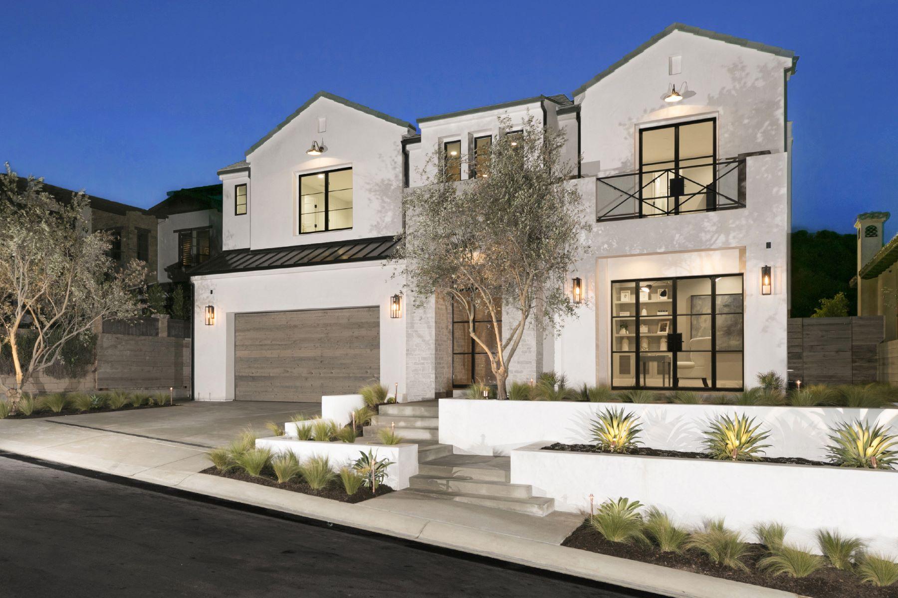 Single Family Homes for Active at 620 Seaward Corona Del Mar, California 92625 United States