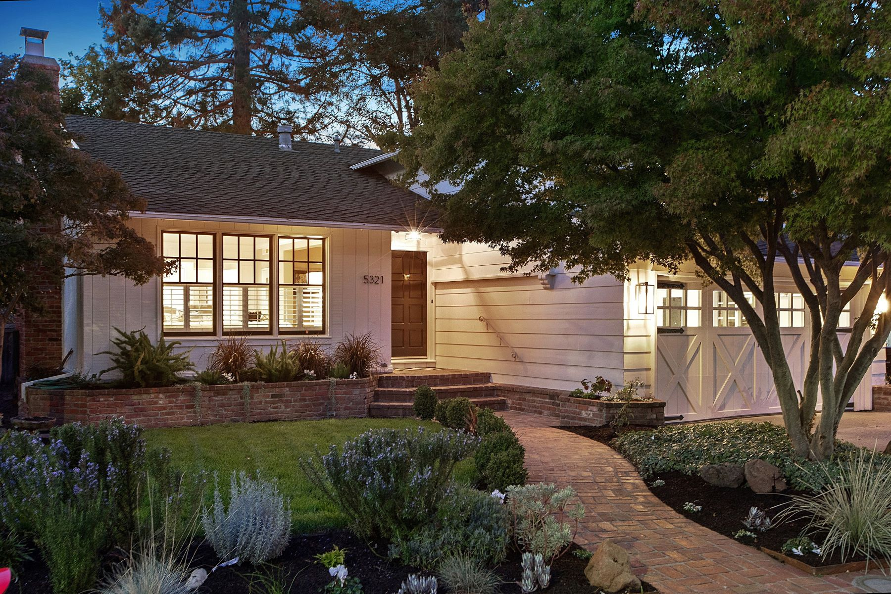 Single Family Homes for Sale at Updated Upper Rockridge Traditional 5321 Hilltop Crescent Oakland, California 94618 United States