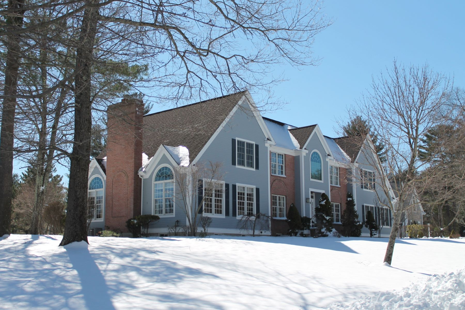 Single Family Home for Sale at Revolutionary Ridge! 2 Lexington Circle Bedford, Massachusetts 01730 United States