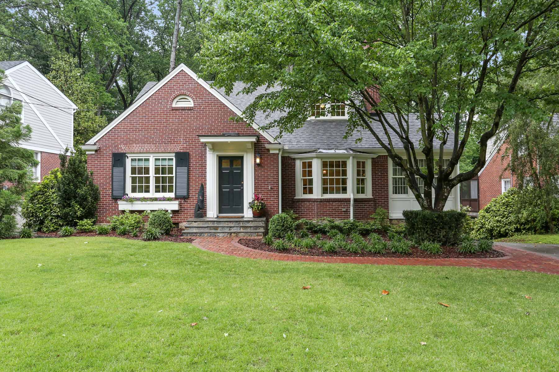 Vivienda unifamiliar por un Venta en Custom Morningside Renovation 1385 Greenland Dr NE Atlanta, Georgia, 30306 Estados Unidos