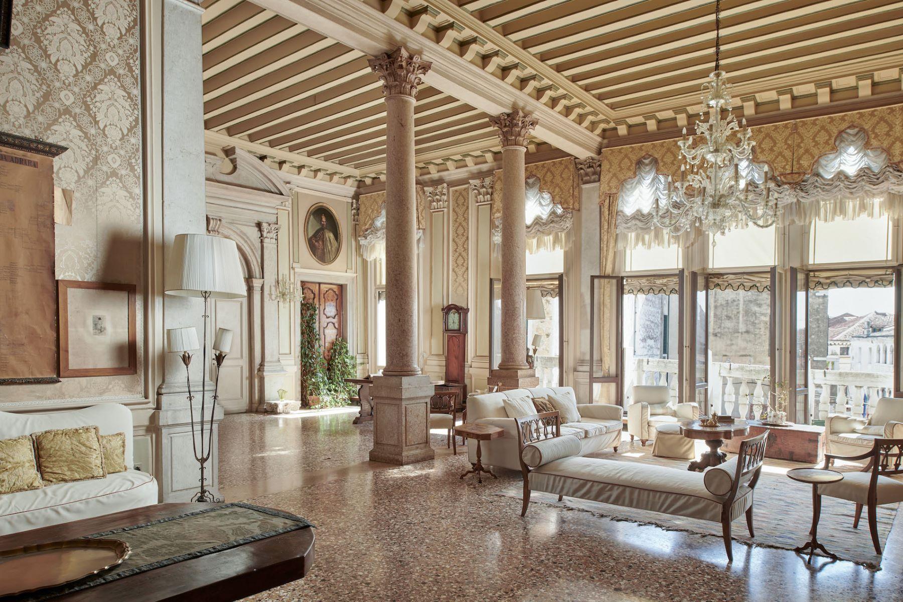 Single Family Homes for Sale at Monumental Piano Nobile Grand Canal Dorsoduro 1057 Venezia, Venice 30123 Italy