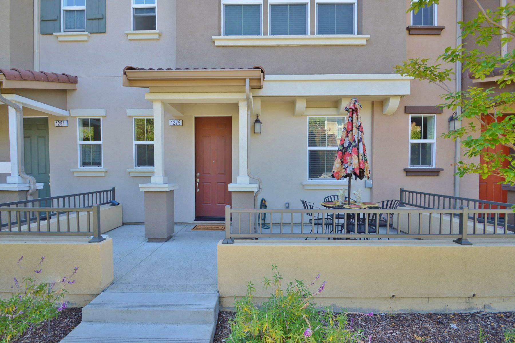 Townhouse for Sale at 1279 Martin Luther King Drive Hayward, California 94541 United States