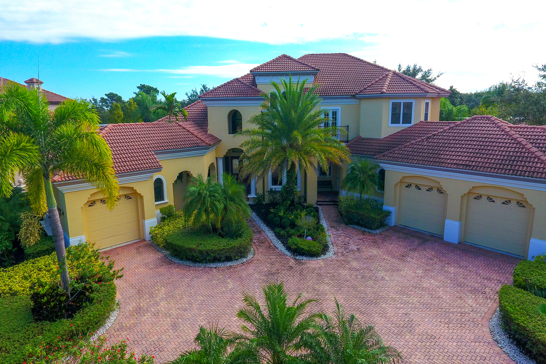 single family homes for Active at LAKEWOOD RANCH COUNTRY CLUB 6815 Belmont Ct Lakewood Ranch, Florida 34202 United States