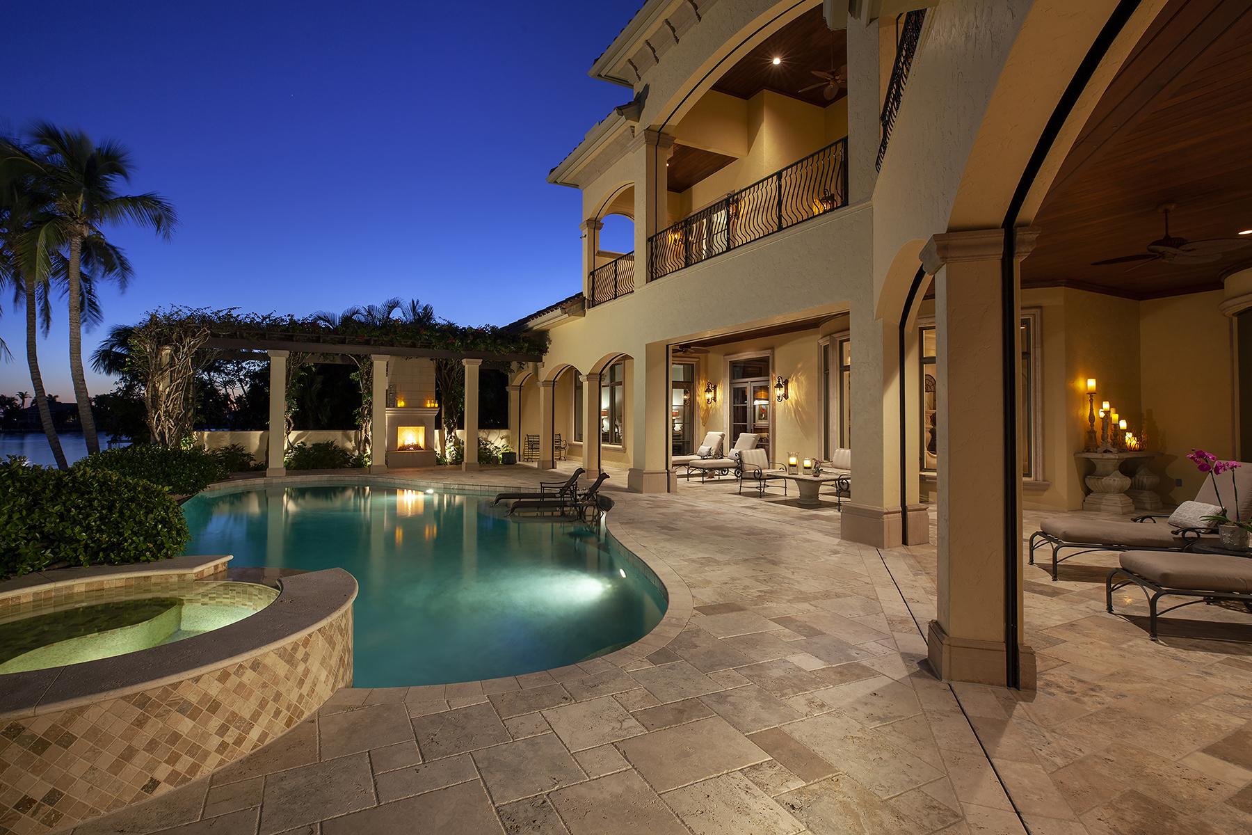 Single Family Homes por un Venta en MARCO ISLAND 845 S Heathwood Drive, Marco Island, Florida 34145 Estados Unidos