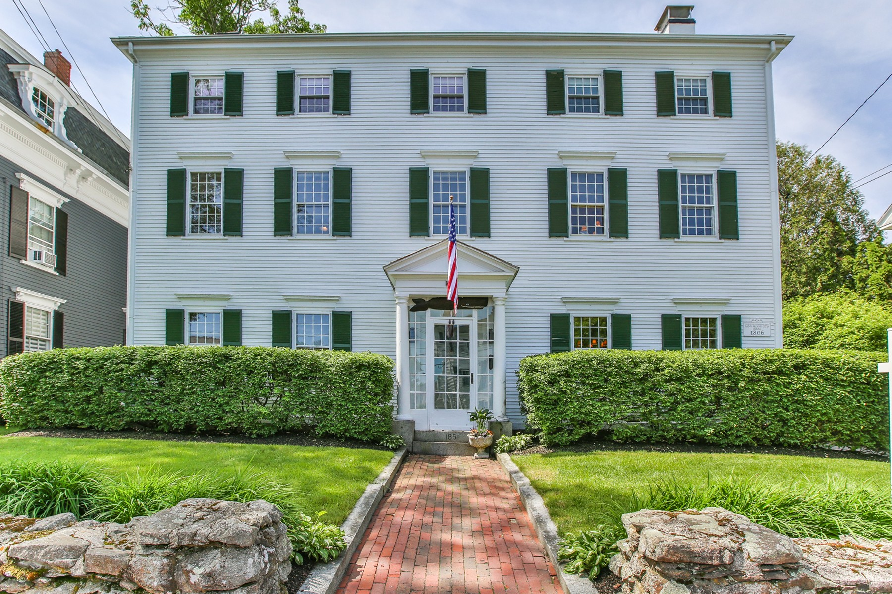 واحد منزل الأسرة للـ Sale في Stately and Brilliantly Restored 185 High Street Newburyport, Massachusetts 01950 United States