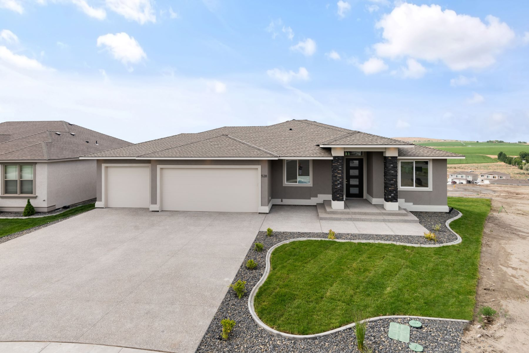 Single Family Homes for Sale at Valsan Custom Homes 528 Athens Drive West Richland, Washington 99353 United States