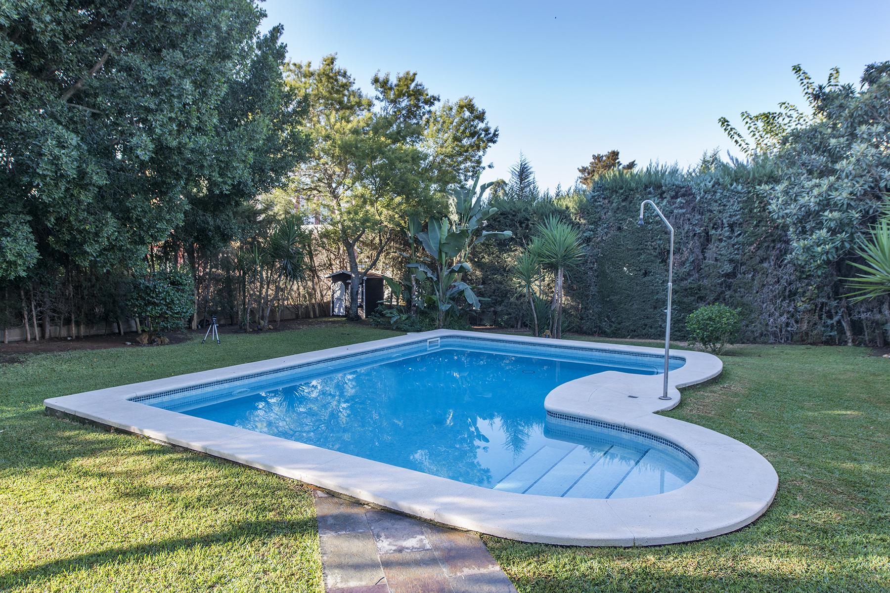 独户住宅 为 销售 在 Beautiful luxury villa in exclusive urbanization in Seville 安达卢西亚其他地方, 安达卢西亚, 西班牙