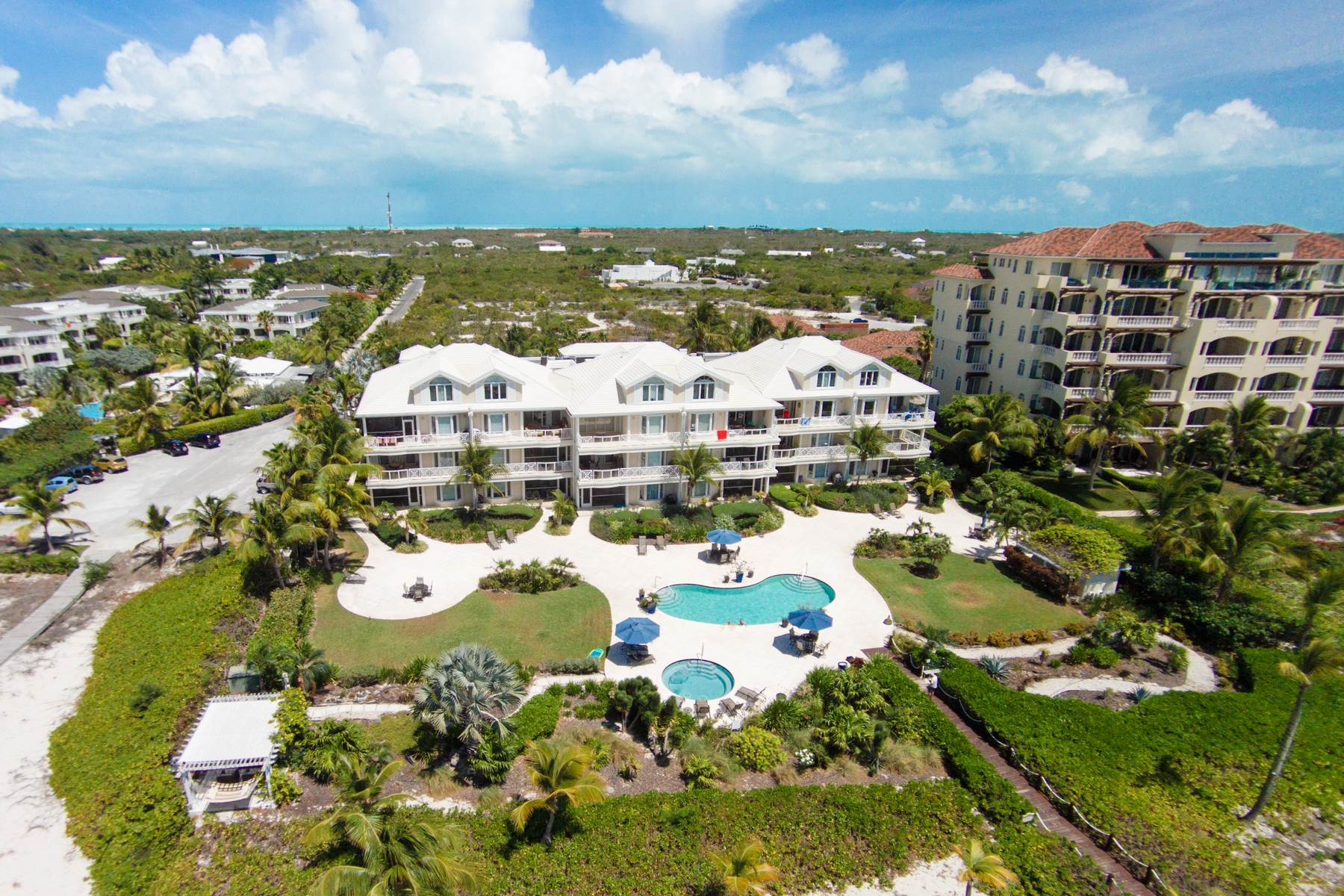 Additional photo for property listing at The Grandview on Grace Bay - Suite 202 Grace Bay, Providenciales Islas Turcas Y Caicos