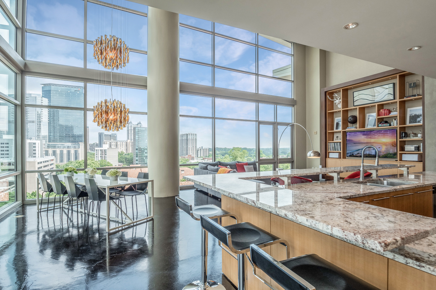 Condominium for Sale at A Glass House Perched Atop The Epicenter Of Midtown 905 Juniper Street NE No. 814 Atlanta, Georgia 30309 United States