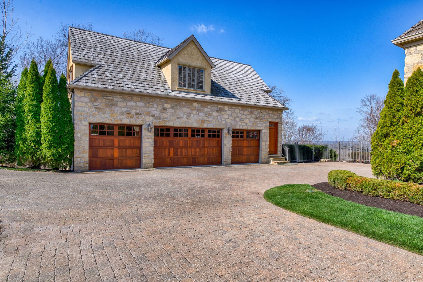 Additional photo for property listing at Talon Ct 2271 Talon Ct St. Albans, Missouri 63073 United States