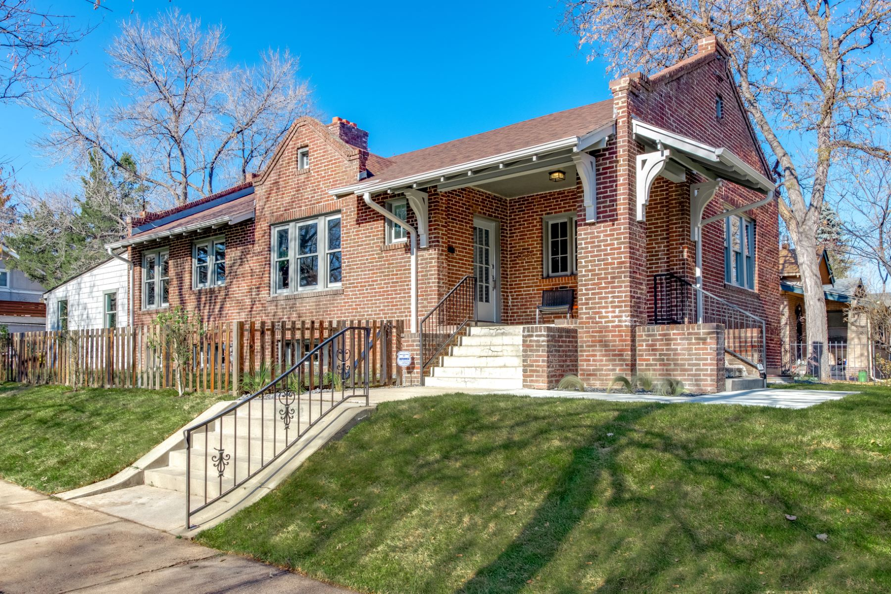 Single Family Home for Active at 3525 East 7th Avenue Parkway 3525 East 7th Avenue Parkway Denver, Colorado 80206 United States
