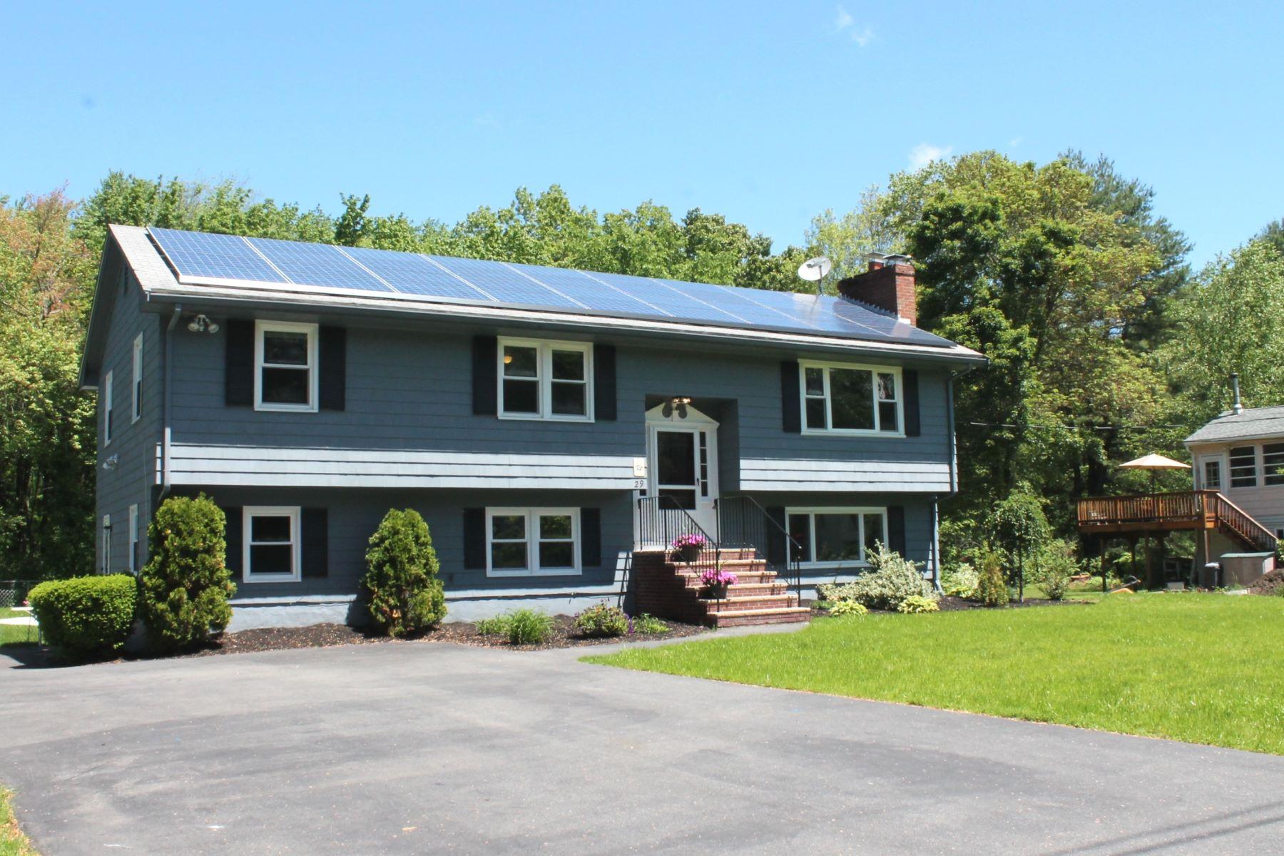 Maison unifamiliale pour l Vente à Room for Everyone 29 Washington Street Bedford, Massachusetts, 01730 États-Unis