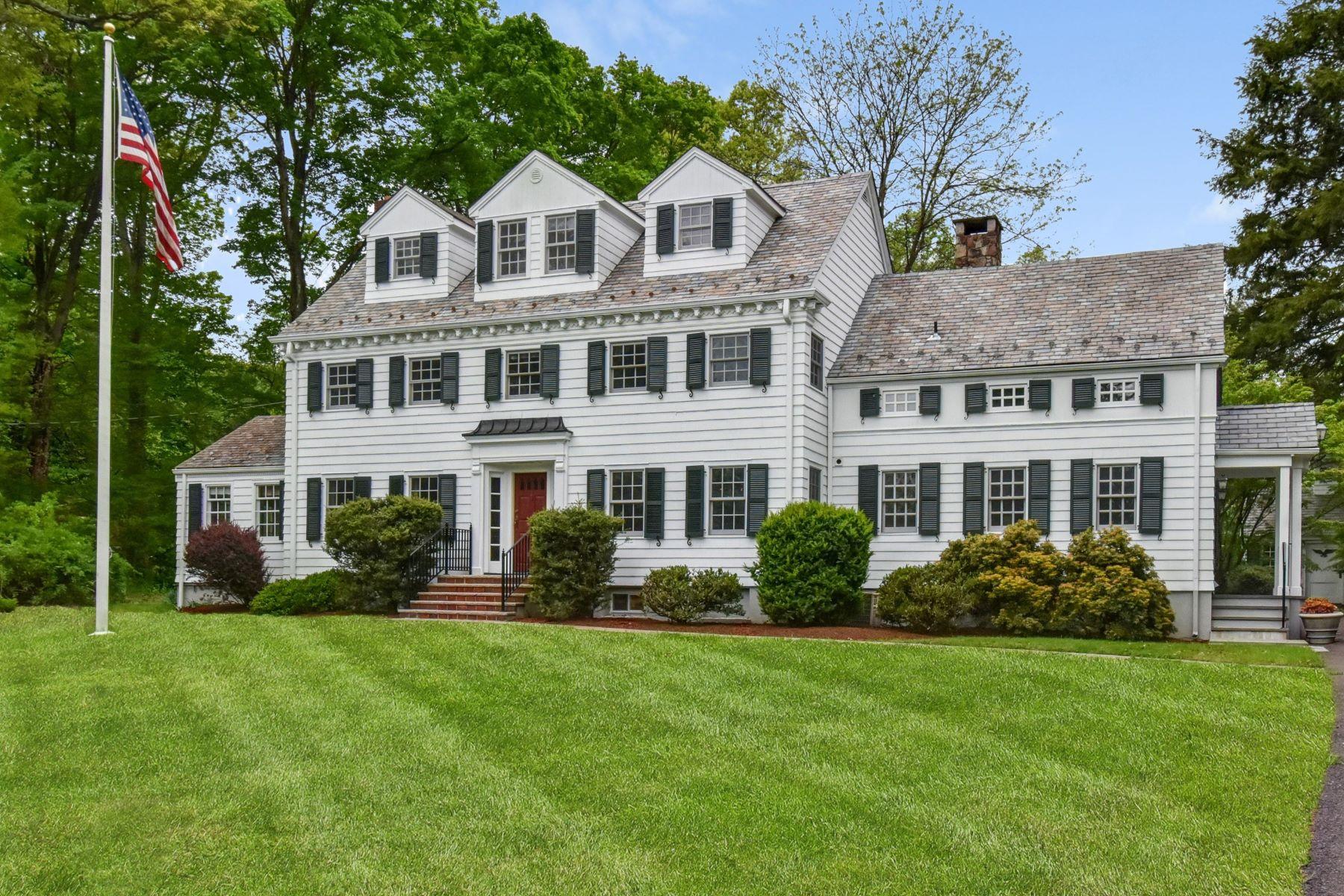 Single Family Homes por un Venta en Classic Center Hall Colonial 555 Spring Valley Road Harding Township, Nueva Jersey 07960 Estados Unidos