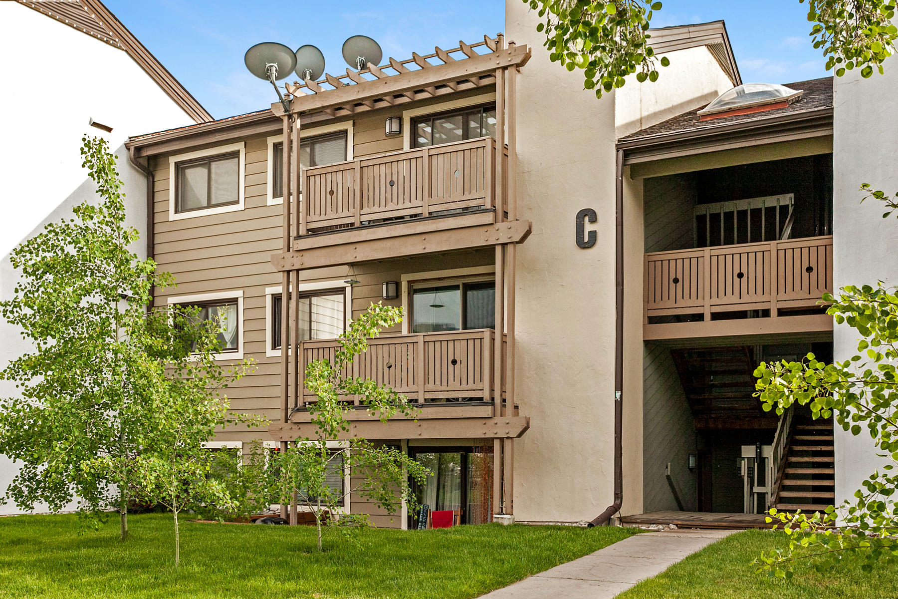 Condominium for Active at Walking distance to Beaver Creek 998 Beaver Creek Blvd #C205 Avon, Colorado 81620 United States