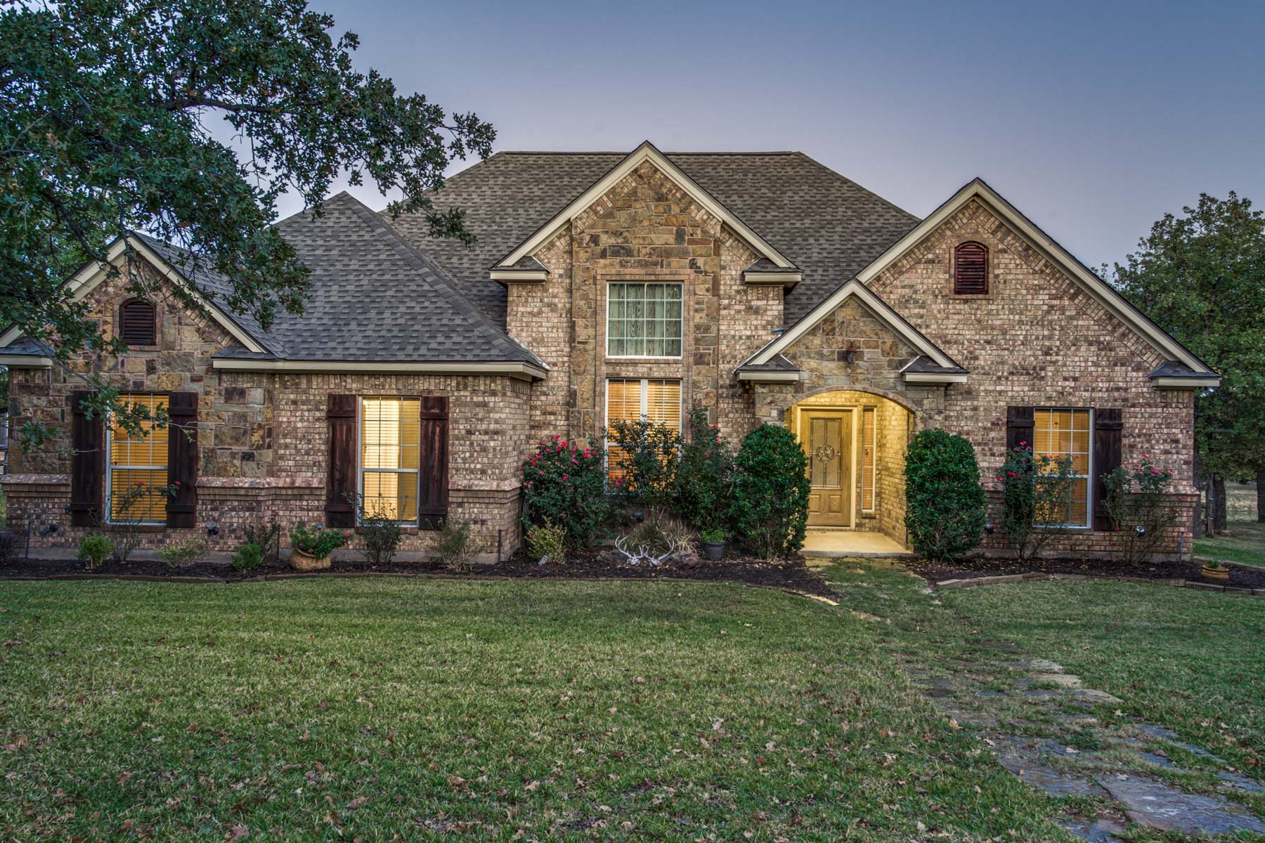 Single Family Home for Sale at All the amenities of a master planned community on a private 10 Acre lot 270 Silver Lakes Drive Sunset, Texas 76270 United States