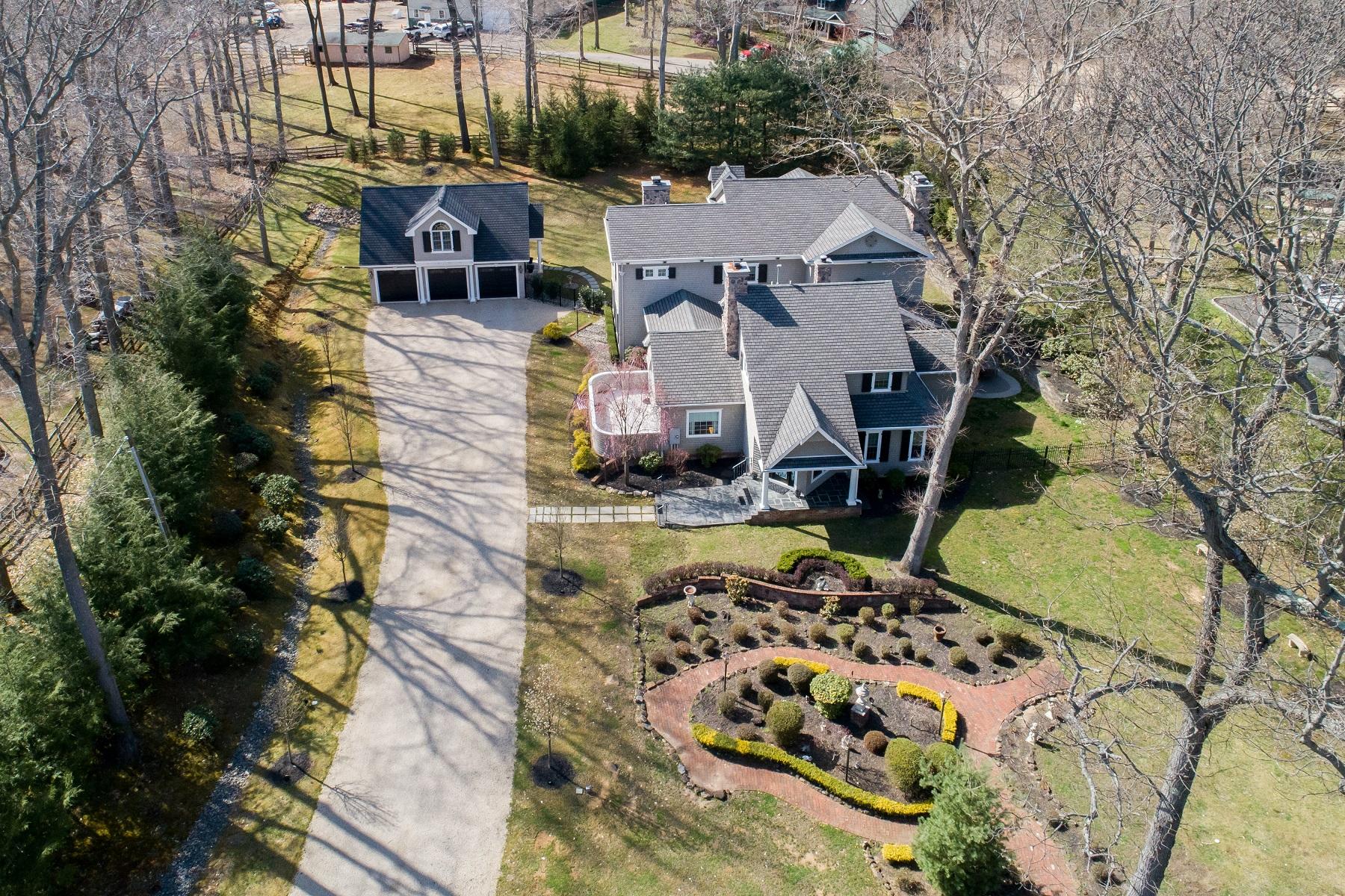 Single Family Homes pour l Vente à Castle Creek 221 Heyers Mill Rd, Colts Neck, New Jersey 07722 États-Unis