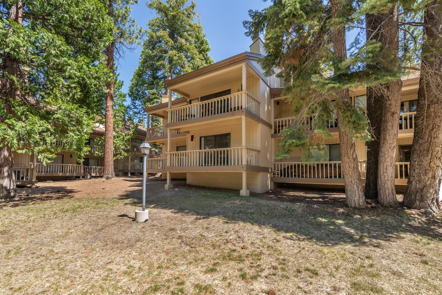 Additional photo for property listing at Northshore Value Townhouse 1001 Commonwealth Drive #10 Kings Beach, California 96143 United States