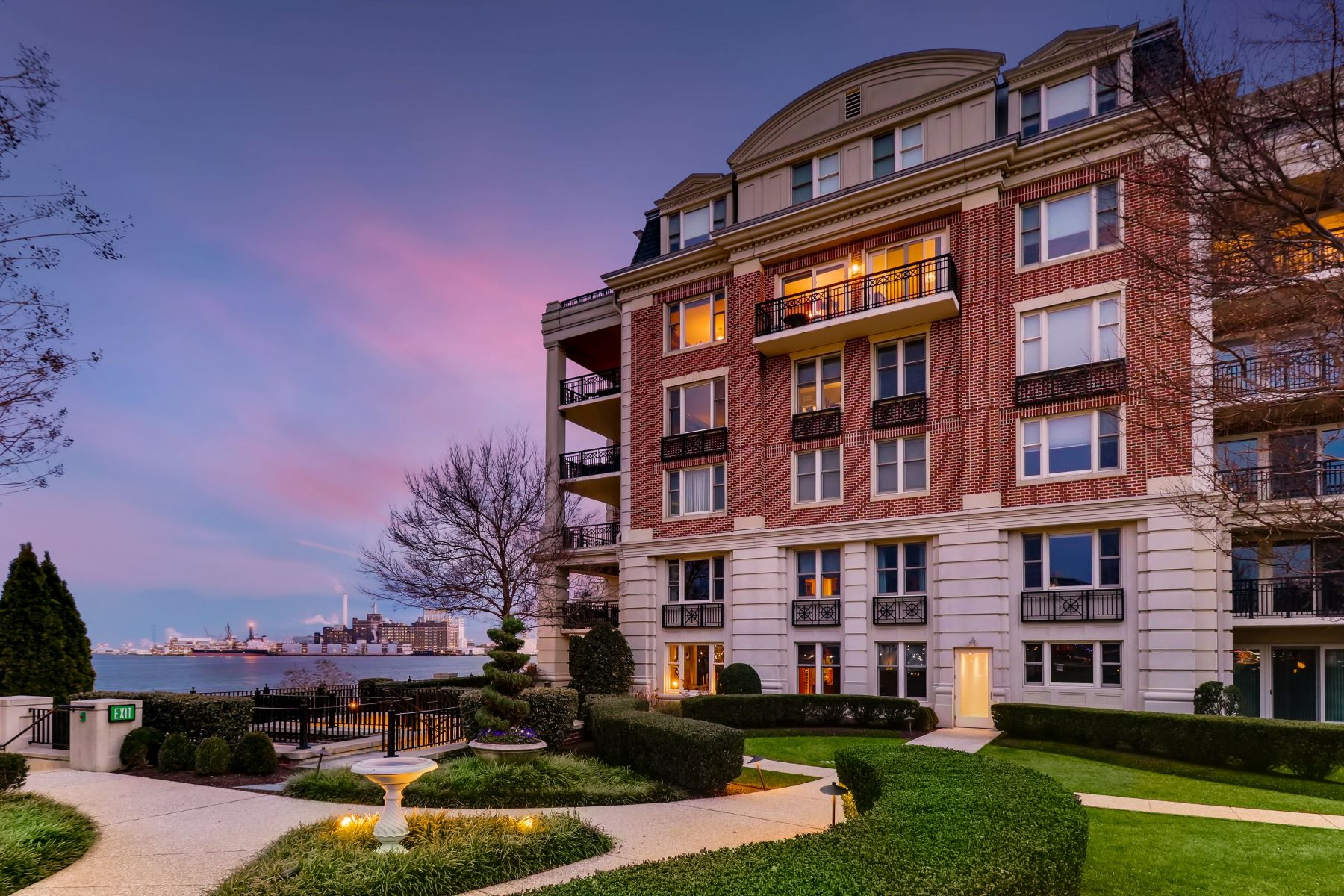 condominiums for Active at The Ritz-Carlton Residences 801 Key Highway #T-54 Baltimore, Maryland 21230 United States
