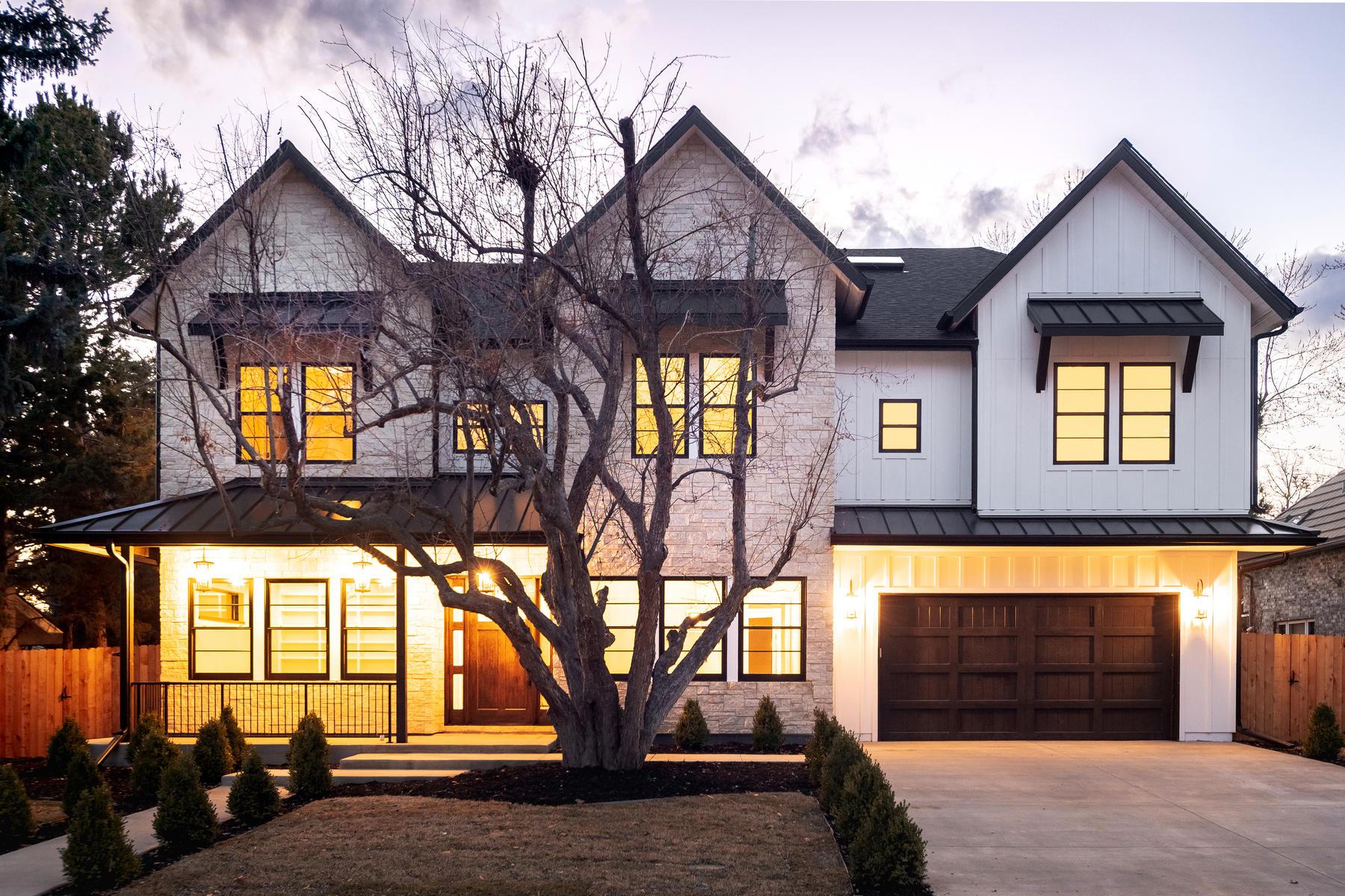 Single Family Homes のために 売買 アット Fresh and Fabulous in Hilltop 65 S Eudora Street, Denver, コロラド 80246 アメリカ