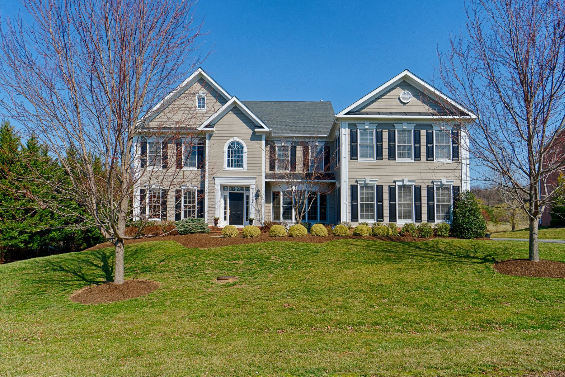 Single Family Home for Sale at Elegant Country Estate 40314 Iron Liege Leesburg, Virginia, 20176 United States