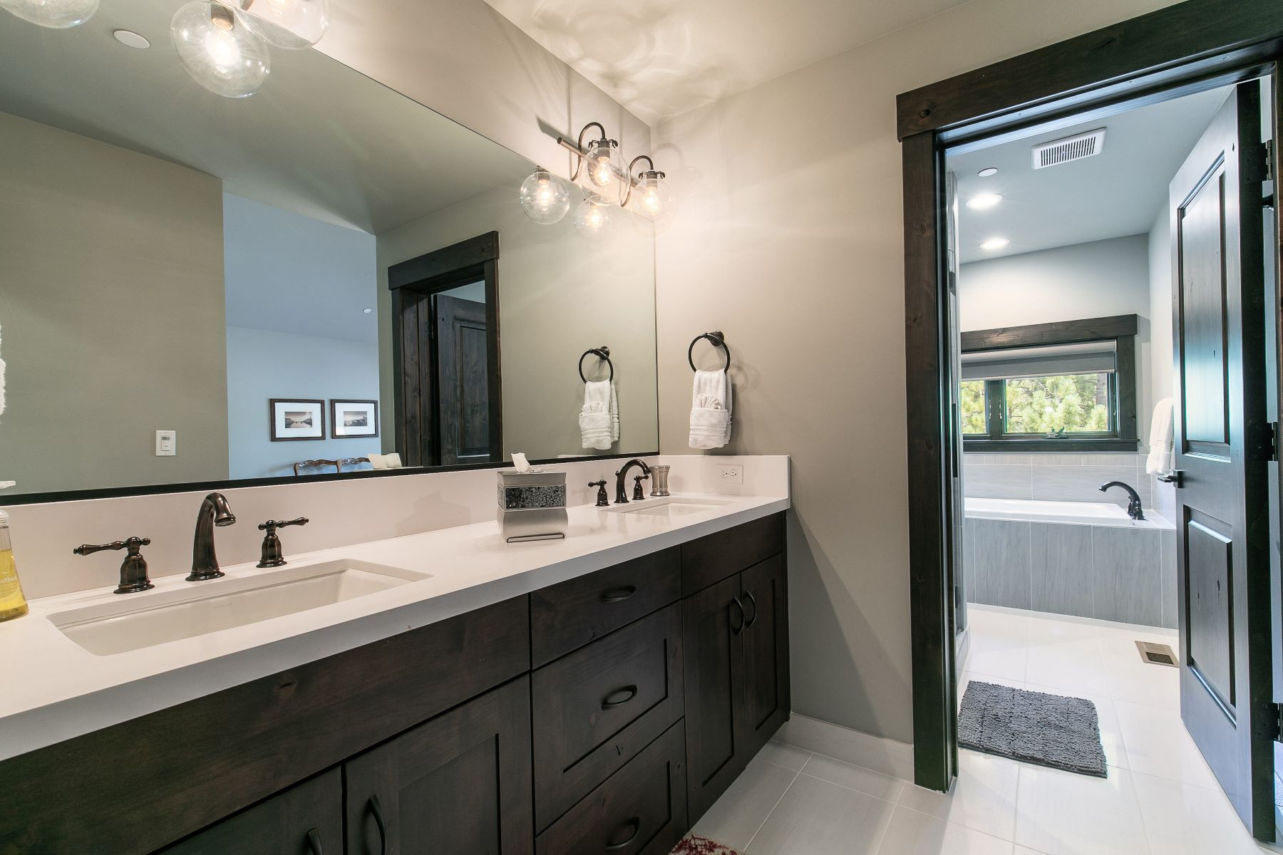 Additional photo for property listing at 9142 Heartwood, Truckee, CA 9142 Heartwood Drive Truckee, California 96161 Estados Unidos