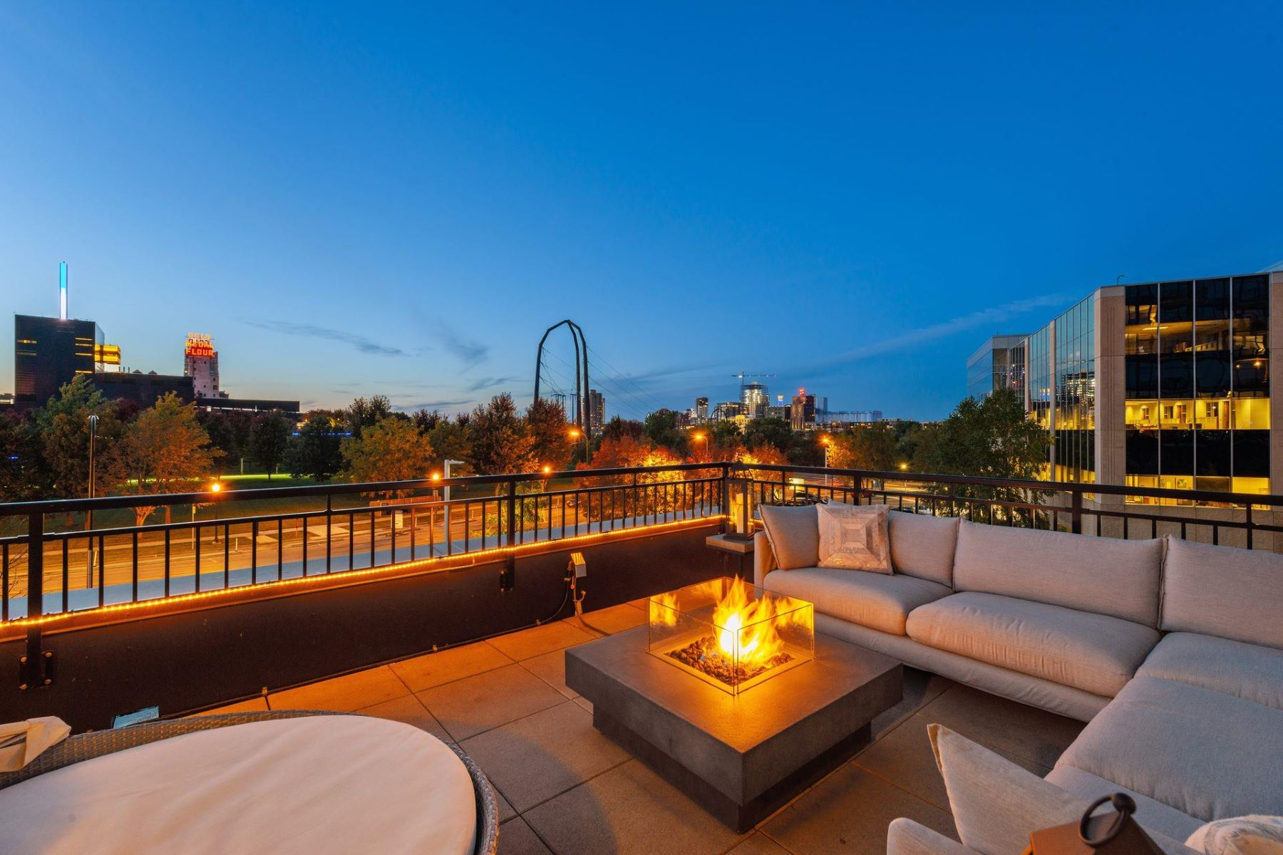 Condominiums for Sale at 1120 S 2nd St #207 Minneapolis, Minnesota 55415 United States